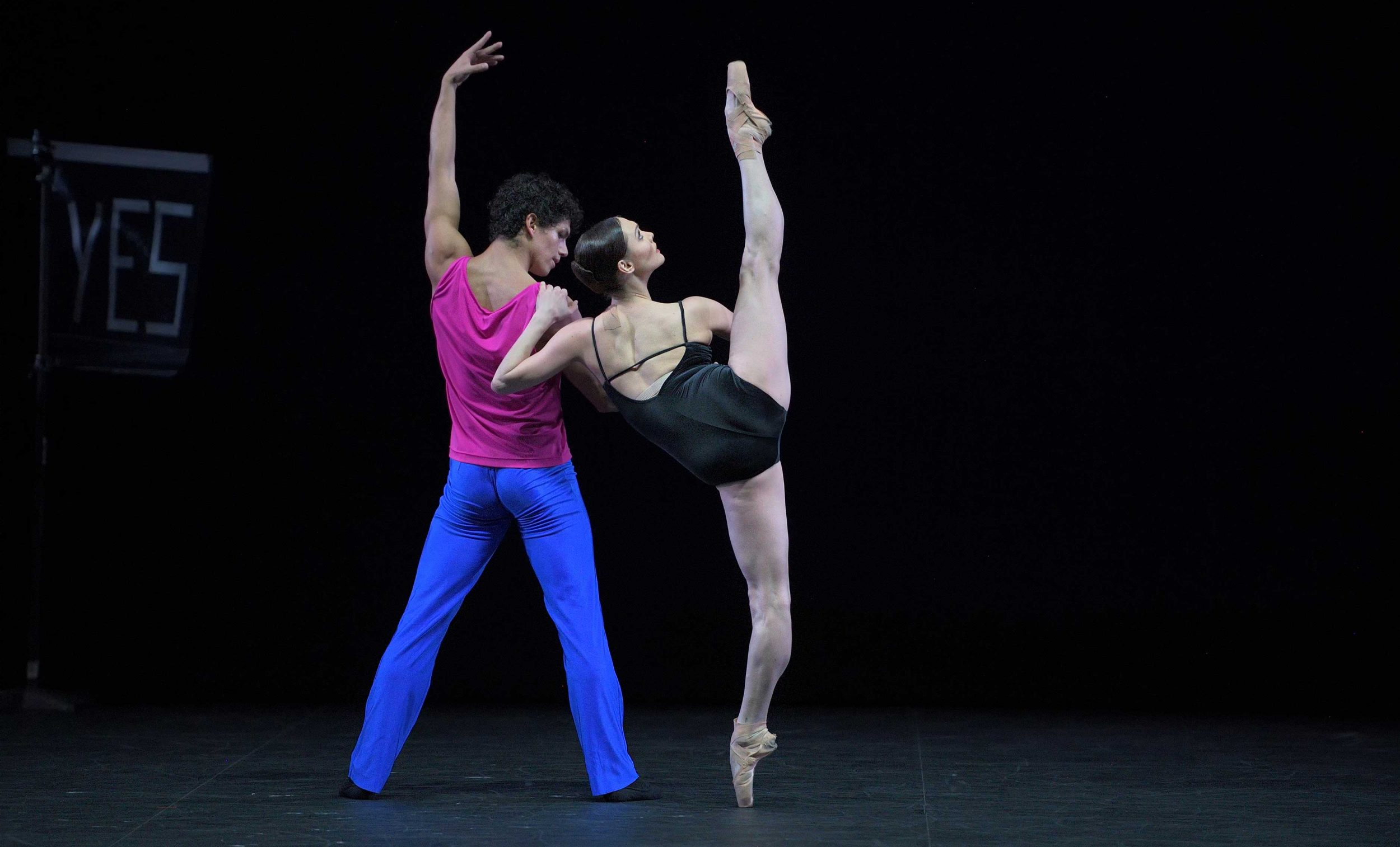 Jurgita-Dronina-and-Isaac-Hernandez-in-Approximate-Sonata-2016-by-William-Forsythe