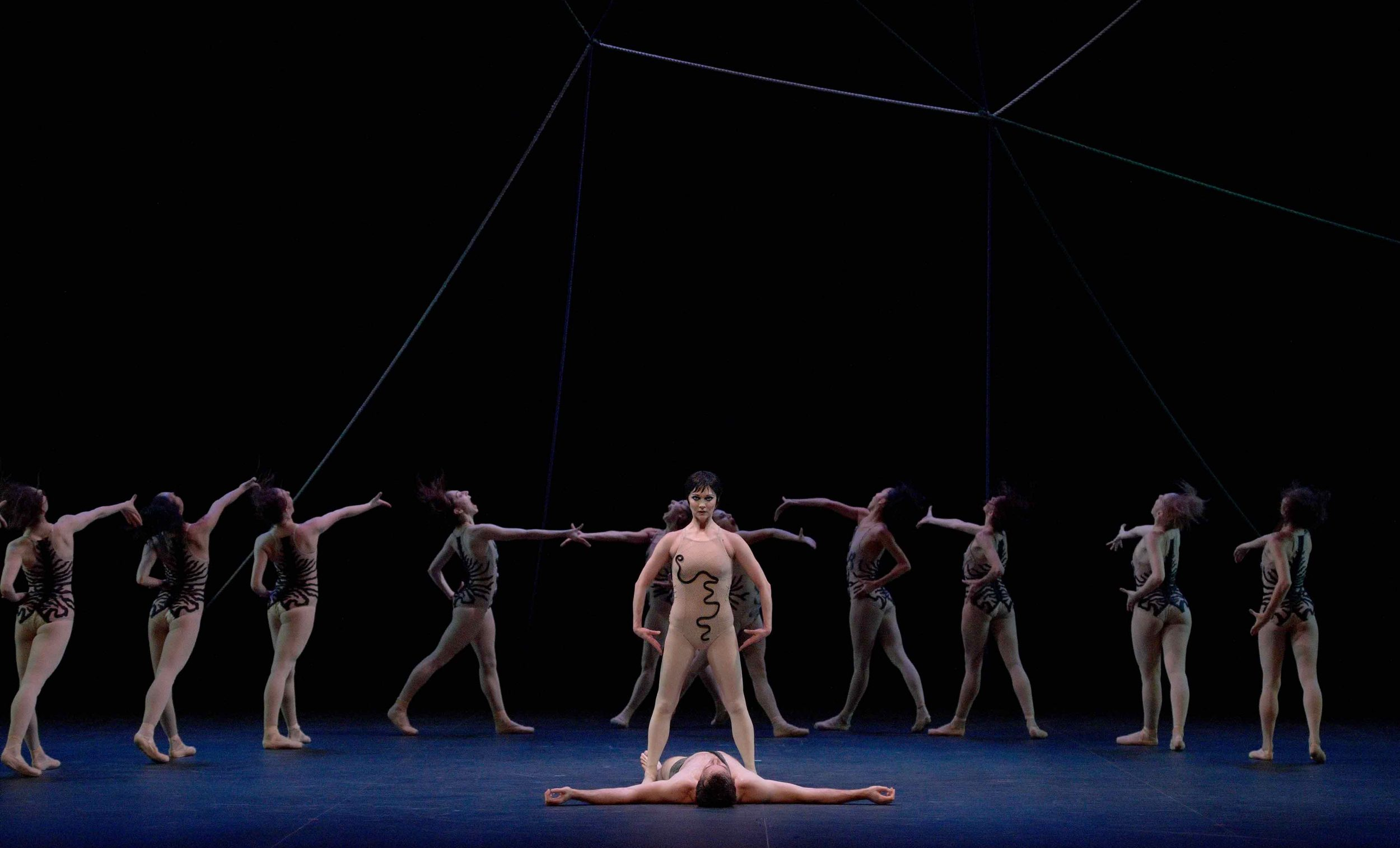 Jurgita-Dronina-in-The-Cage-by-Jerome-Robbins-©-Laurent-Liotardo-(2)