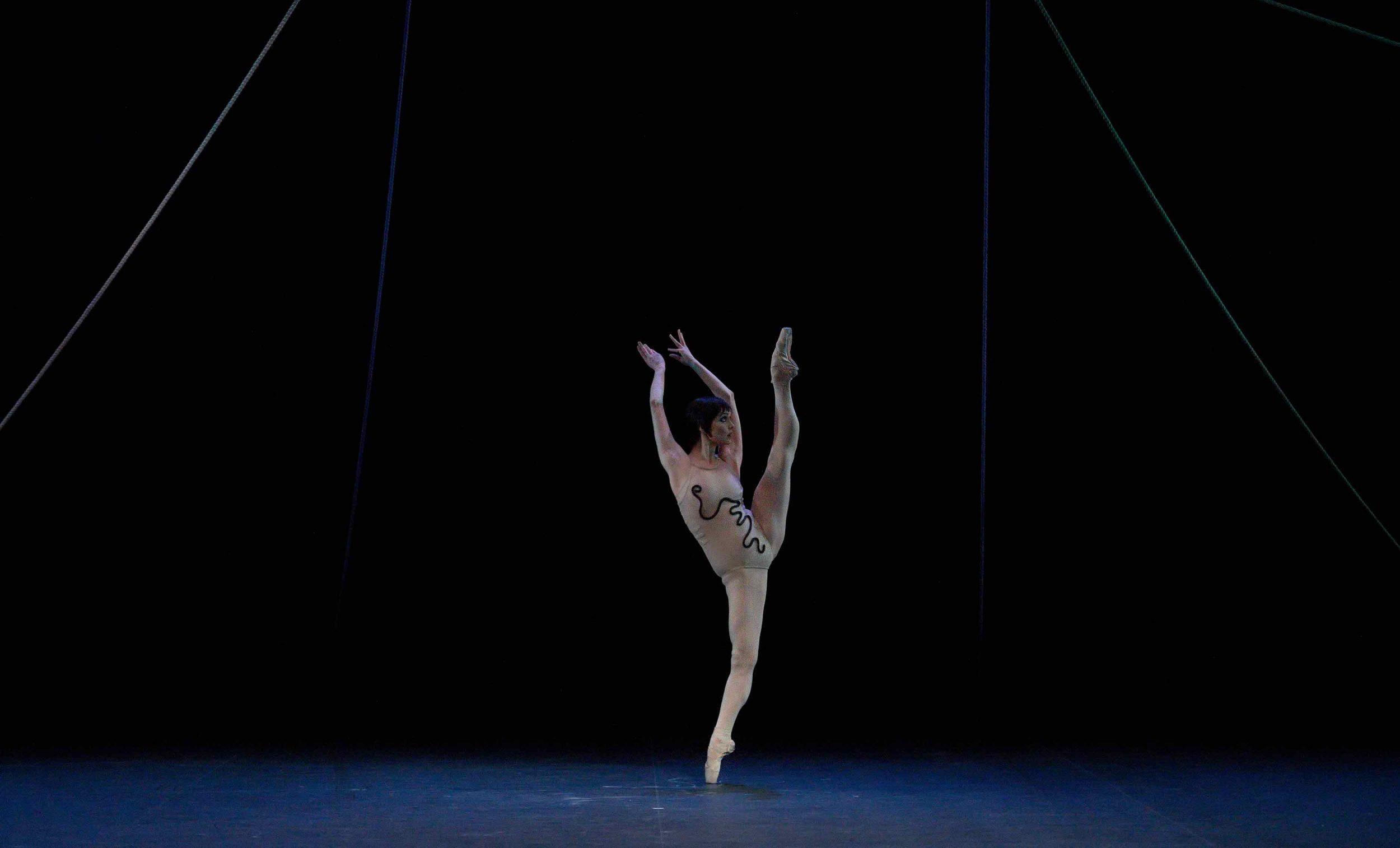Jurgita-Dronina-in-The-Cage-by-Jerome-Robbins-©-Laurent-Liotardo