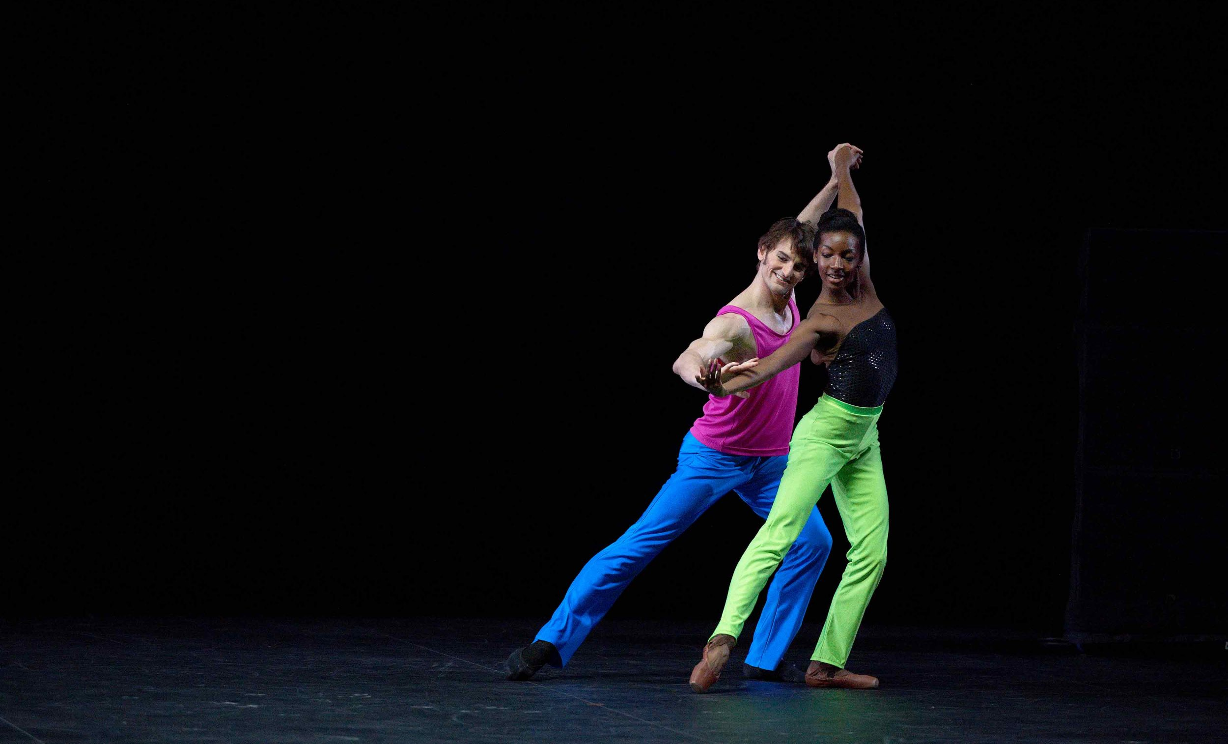 Precious-Adams-and-Aaron-Robison-in-Approximate-Sonata-2016-by-William-Forsythe