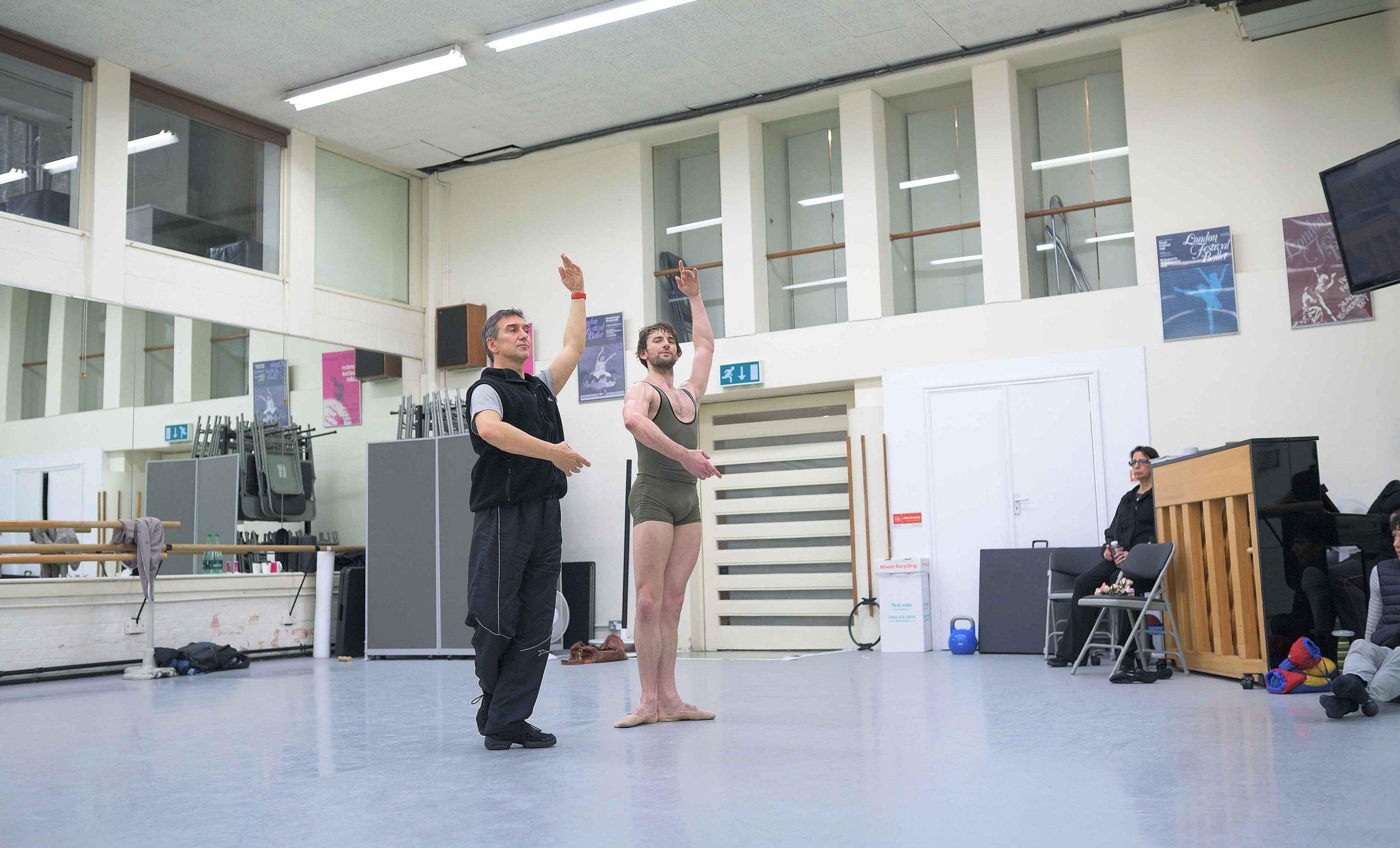 Julio-Bocco-and-Aaron-Robison-rehearsing-The-Sleeping-Beauty-©-Laurent-Liotardo