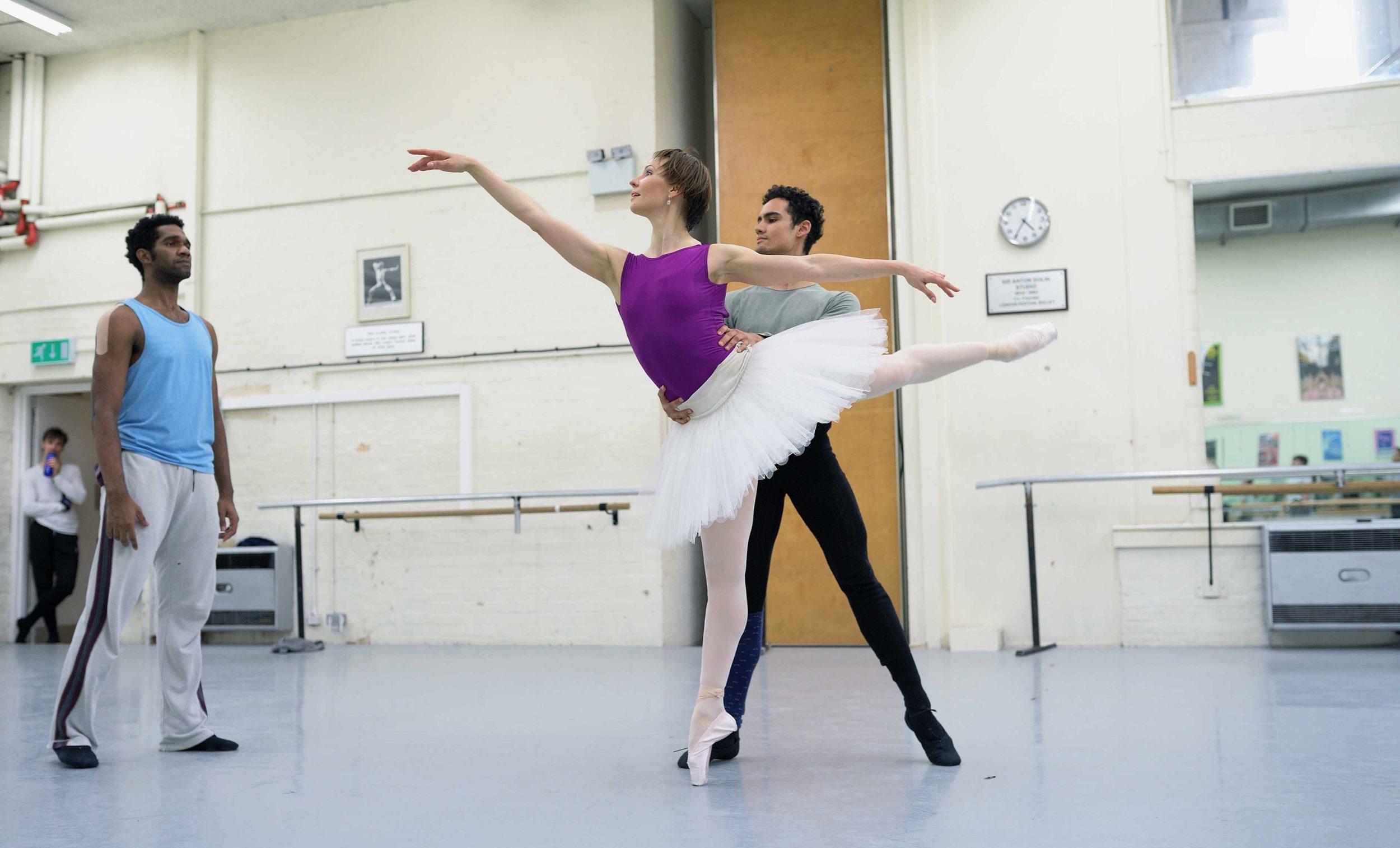 Maria-Alexandrova-and-Daniel-McCormick-rehearsing-The-Sleeping-Beauty-©-Laurent-Liotardo