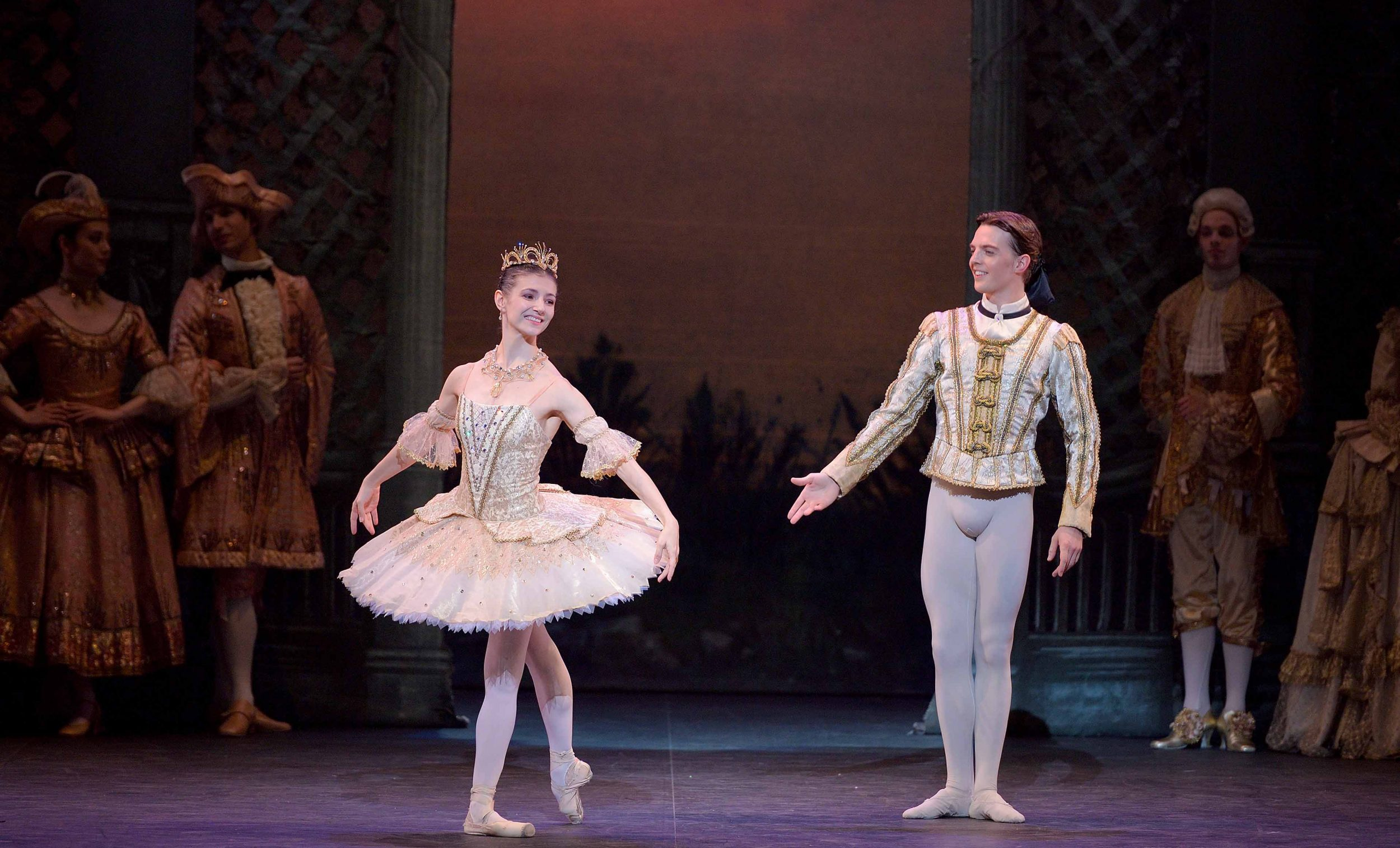 Alina-Cojocaru-as-Princess-Aurora-and-Joseph-Caley-as-Prince-Désiré-in-The-Sleeping-Beauty-©-Laurent-Liotardo-(2)_WEB