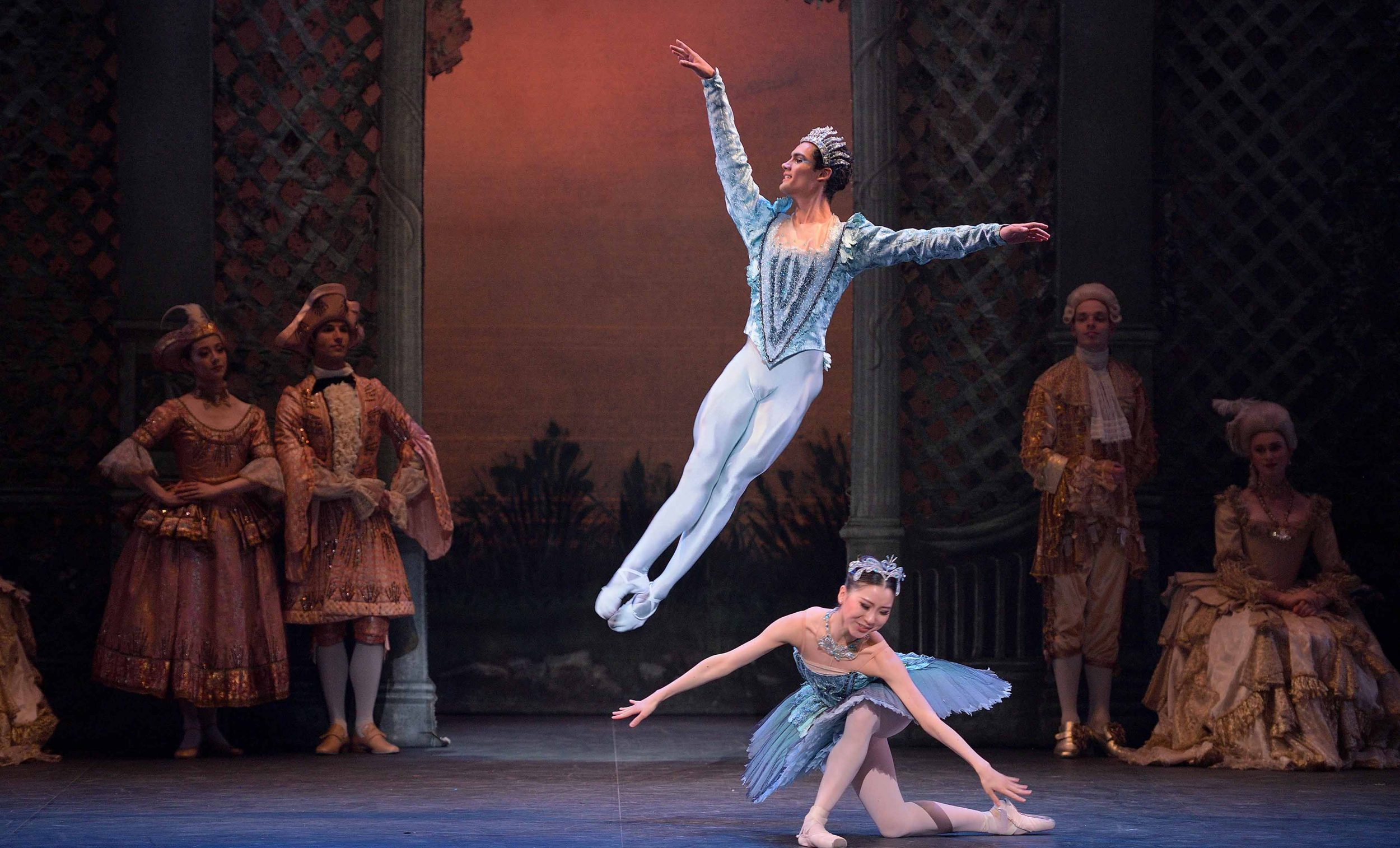 Daniel-McCormick-as-The-Bluebird-and-Rina-Kanehara-as-Princess-Florine-in-The-Sleeping-Beauty-©-Laurent-Liotardo-(2)_WEB