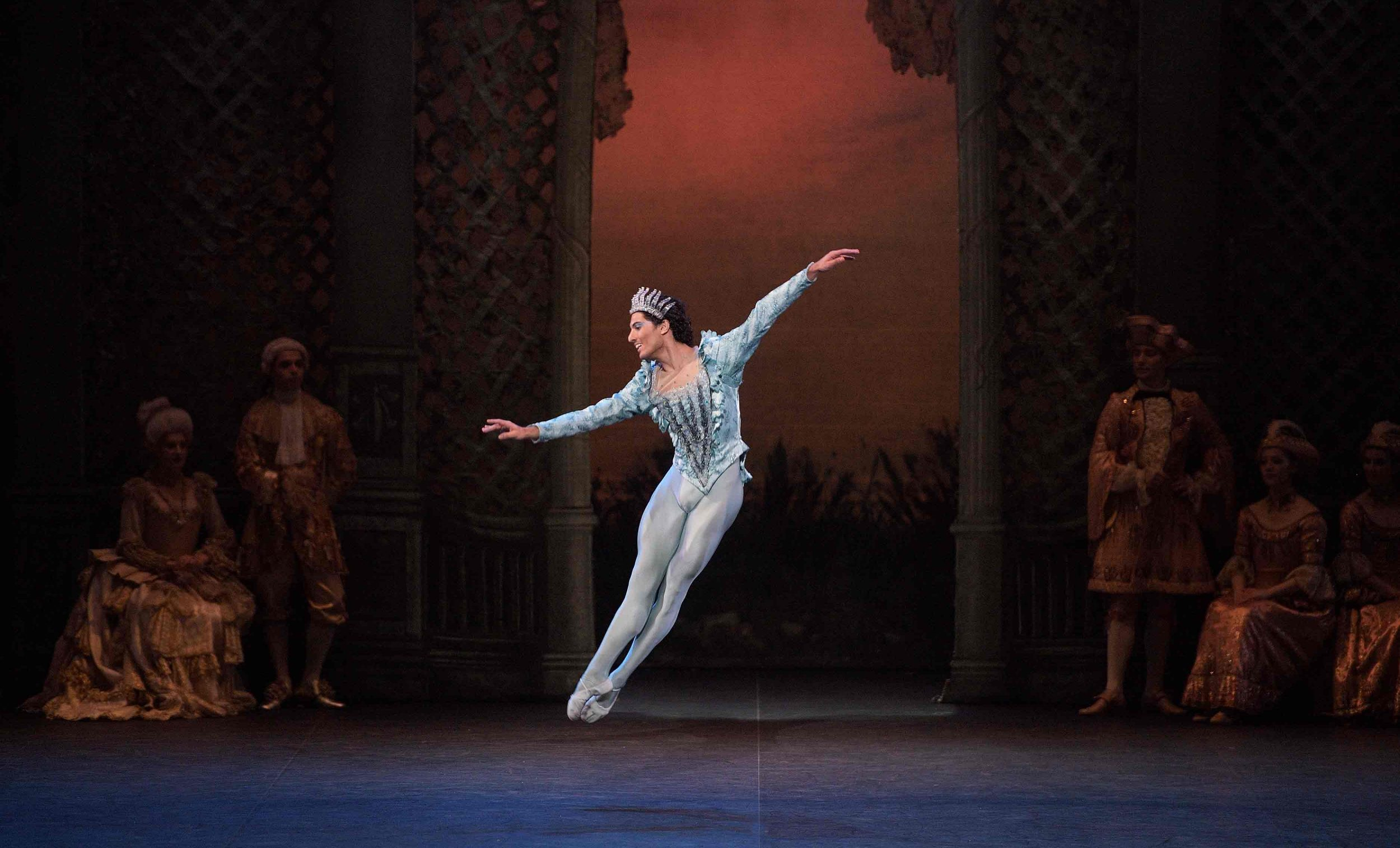 Fernando-Carratalá-Coloma-as-the-Bluebird-in-The-Sleeping-Beauty-©-Laurent-Liotardo_WEB