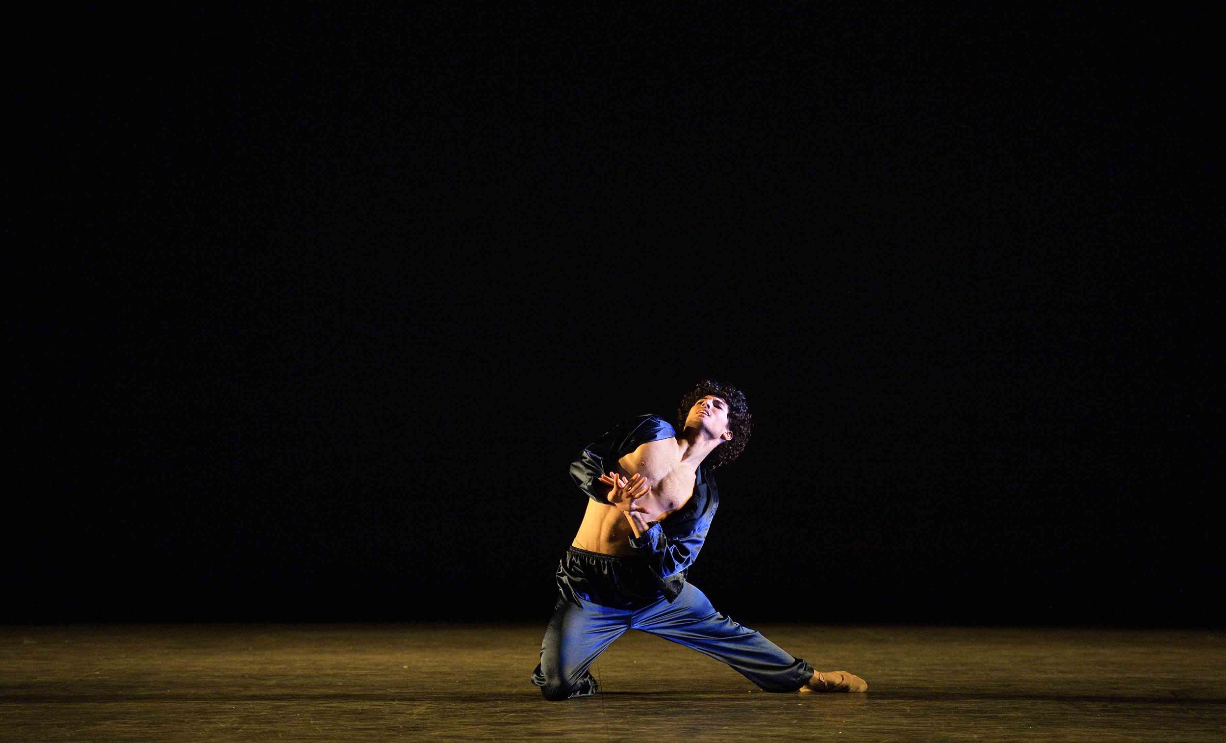 Fernando-Carratalá-Coloma-performing-The-last-call-©-Laurent-Liotardo--(2)