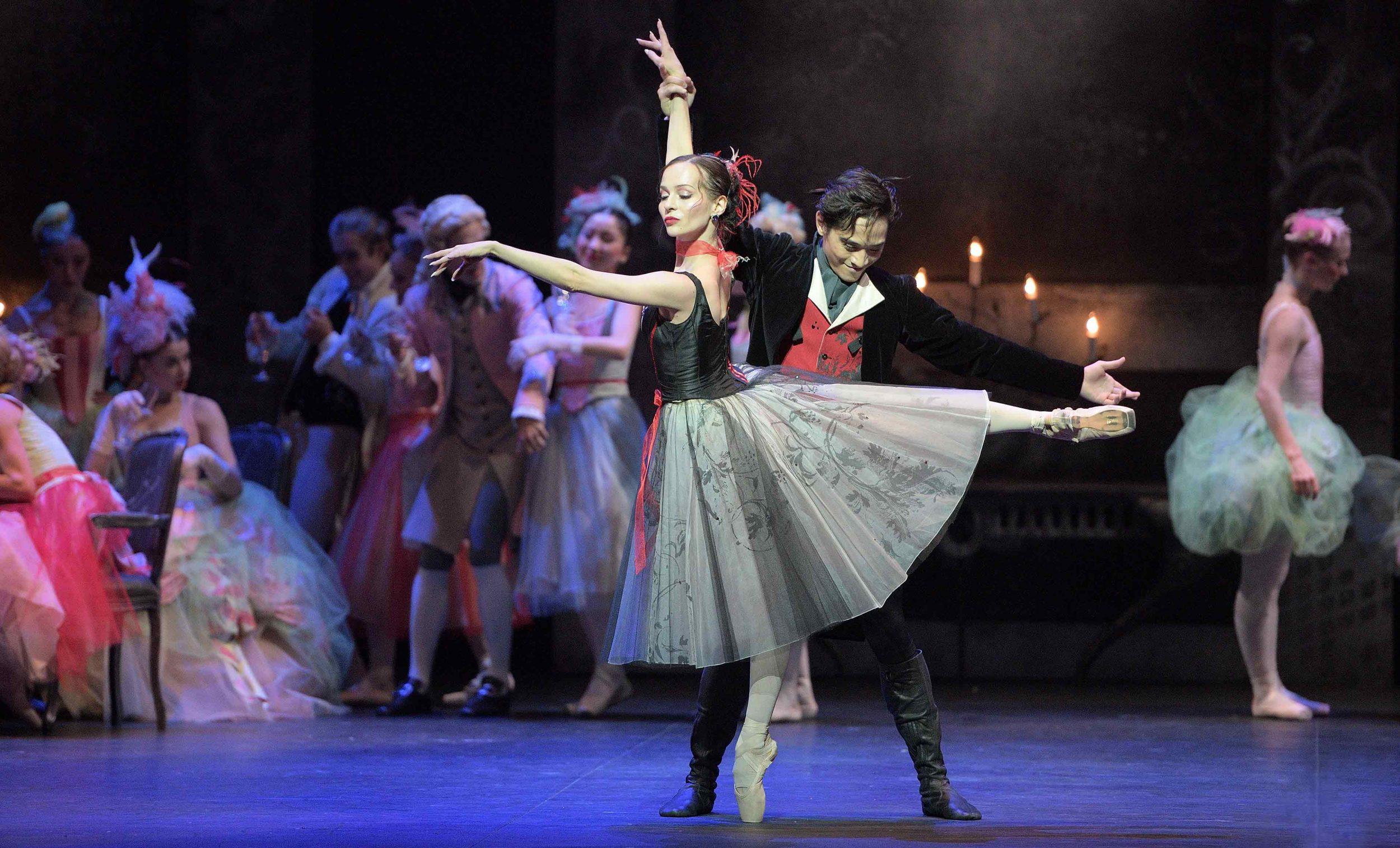 Katja-Khaniukova-and-Jeffrey-Cirio-in-Manon-(c)-Laurent-Liotardo_WEB