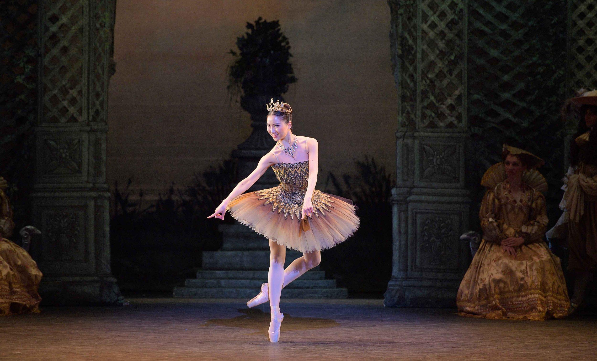 Rina-Kanehara-as-Fairy-of-the-Golden-Vine-in-The-Sleeping-Beauty-©--Laurent-Liotardo-(3)