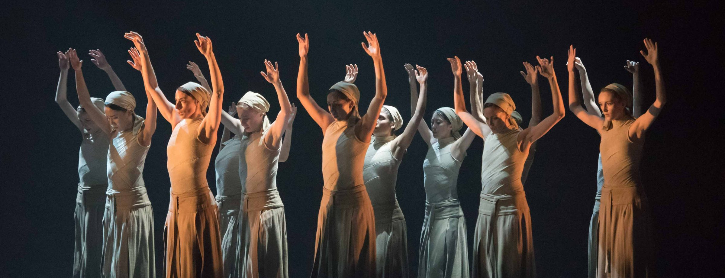 Dust-by-Akram-Khan-part-of-English-National-Ballet's-Lest-We-Forget-(C)-Photography-by-ASH-(13)