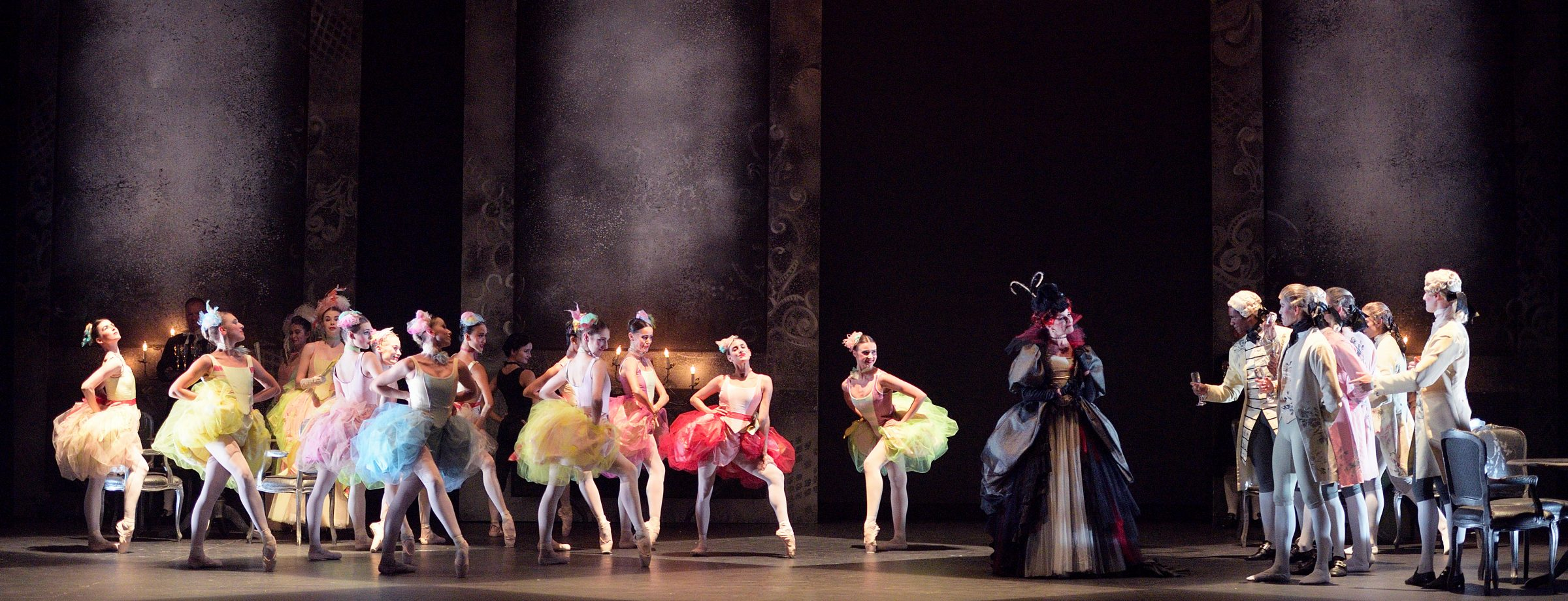 English National Ballet in Manon (c) Laurent Liotardo (2)