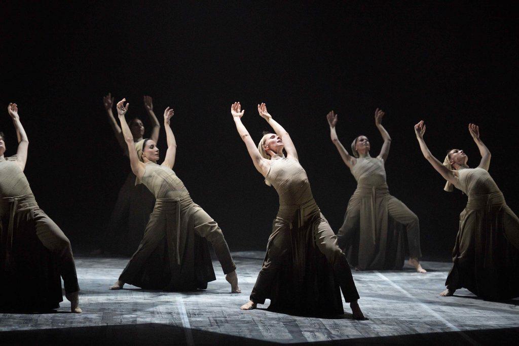 English-National-Ballet's-Lest-We-Forget---Dust-by-Akram-Khan-(c)-Laurent-Liotardo-(6)_WEB