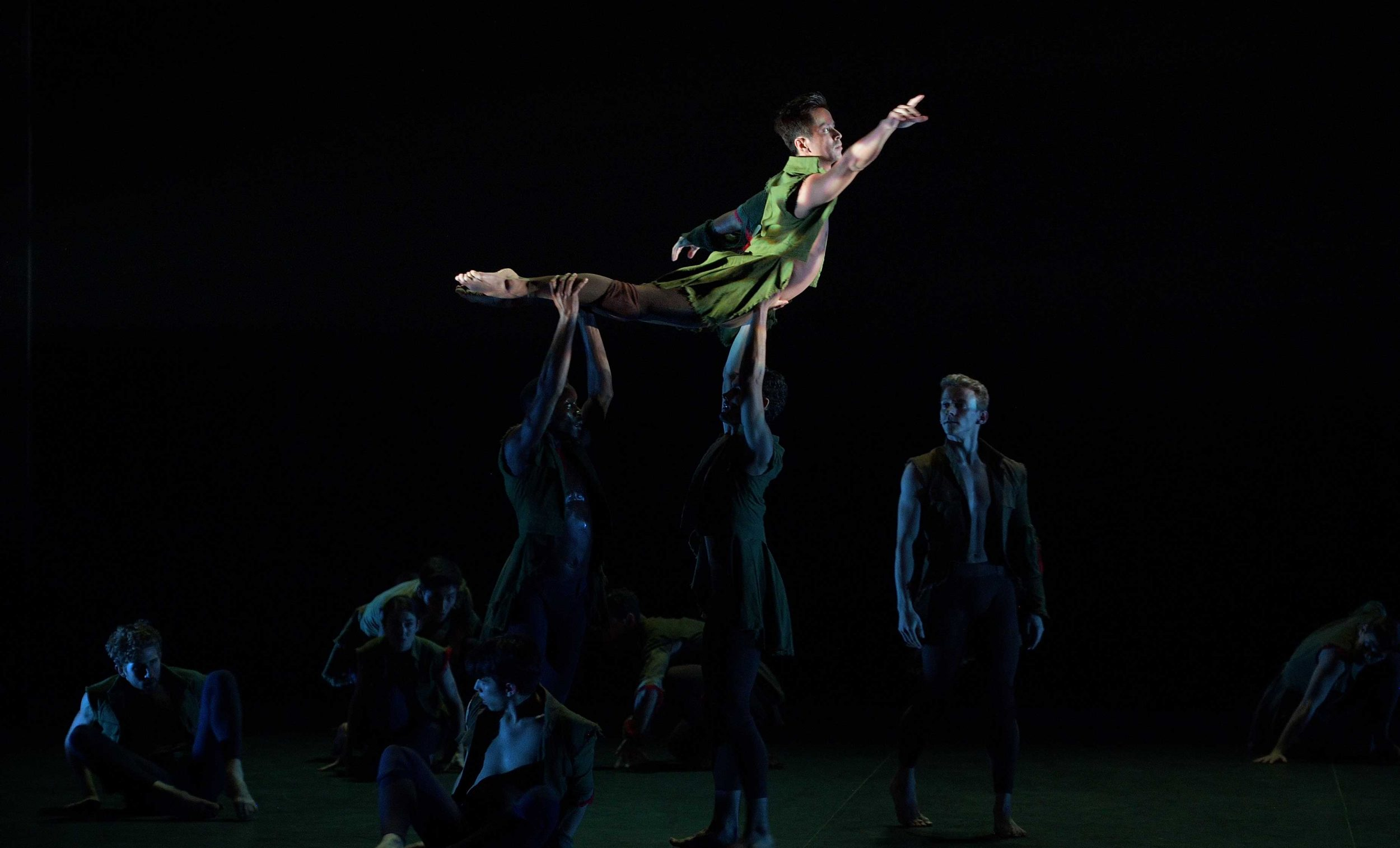 English-National-Ballet's-Lest-We-Forget---Second-Breath-by-Russell-Maliphant-(c)-Laurent-Liotardo_WEB