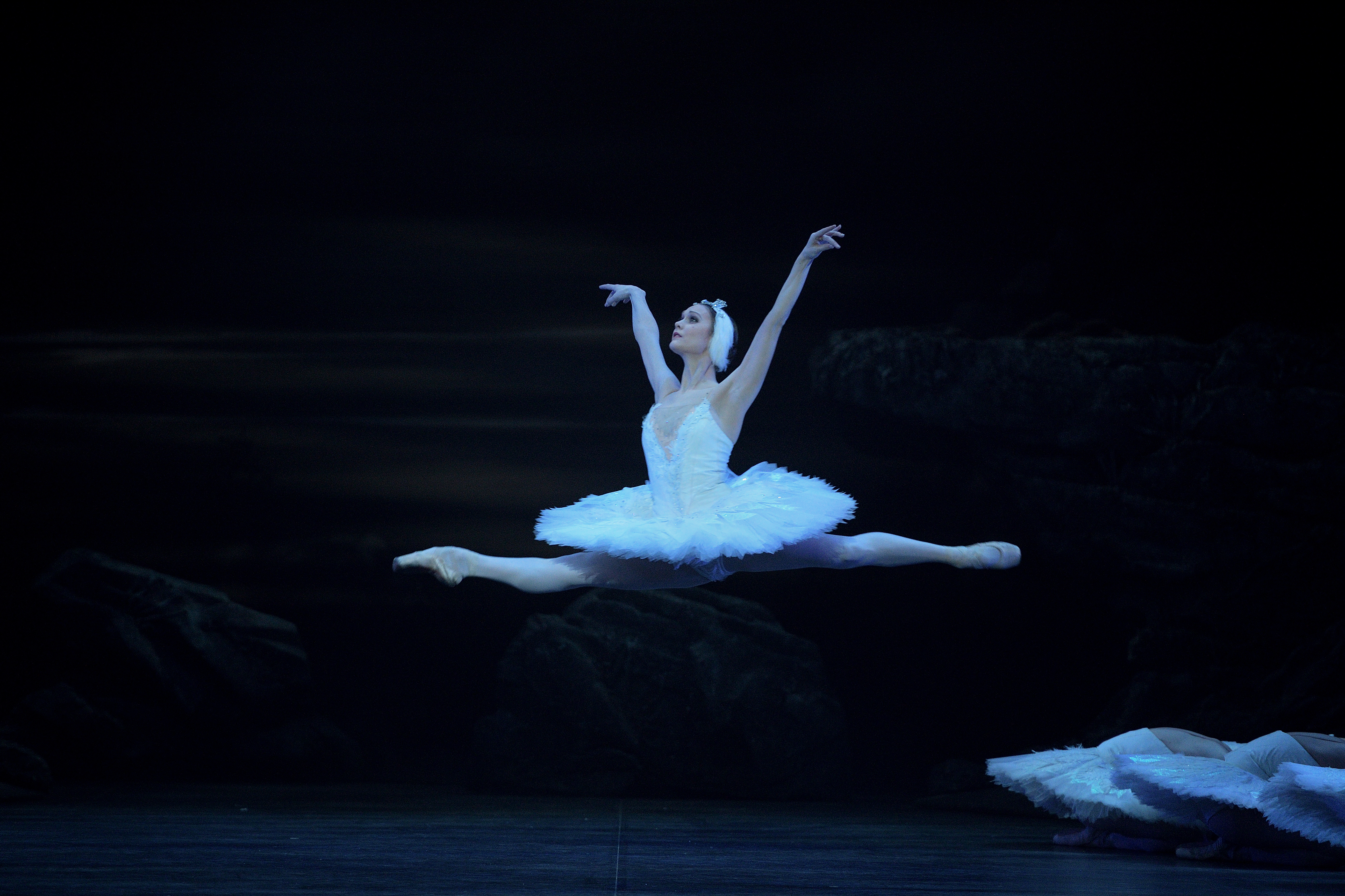 PRESS Jurgita Dronina in Swan Lake © Laurent Liotardo