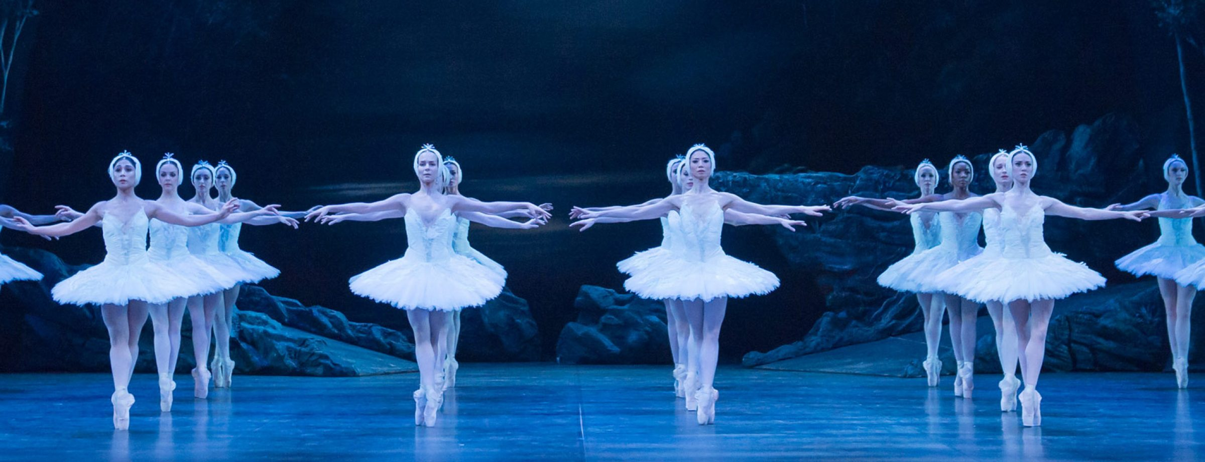 Derek Deane's Swan Lake © Photography by ASH