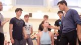 Alison-McWhinney-and-Daniel-Kraus-in-rehearsals-for-Manon-(c)-Laurent-Liotardo-(2)_WEB