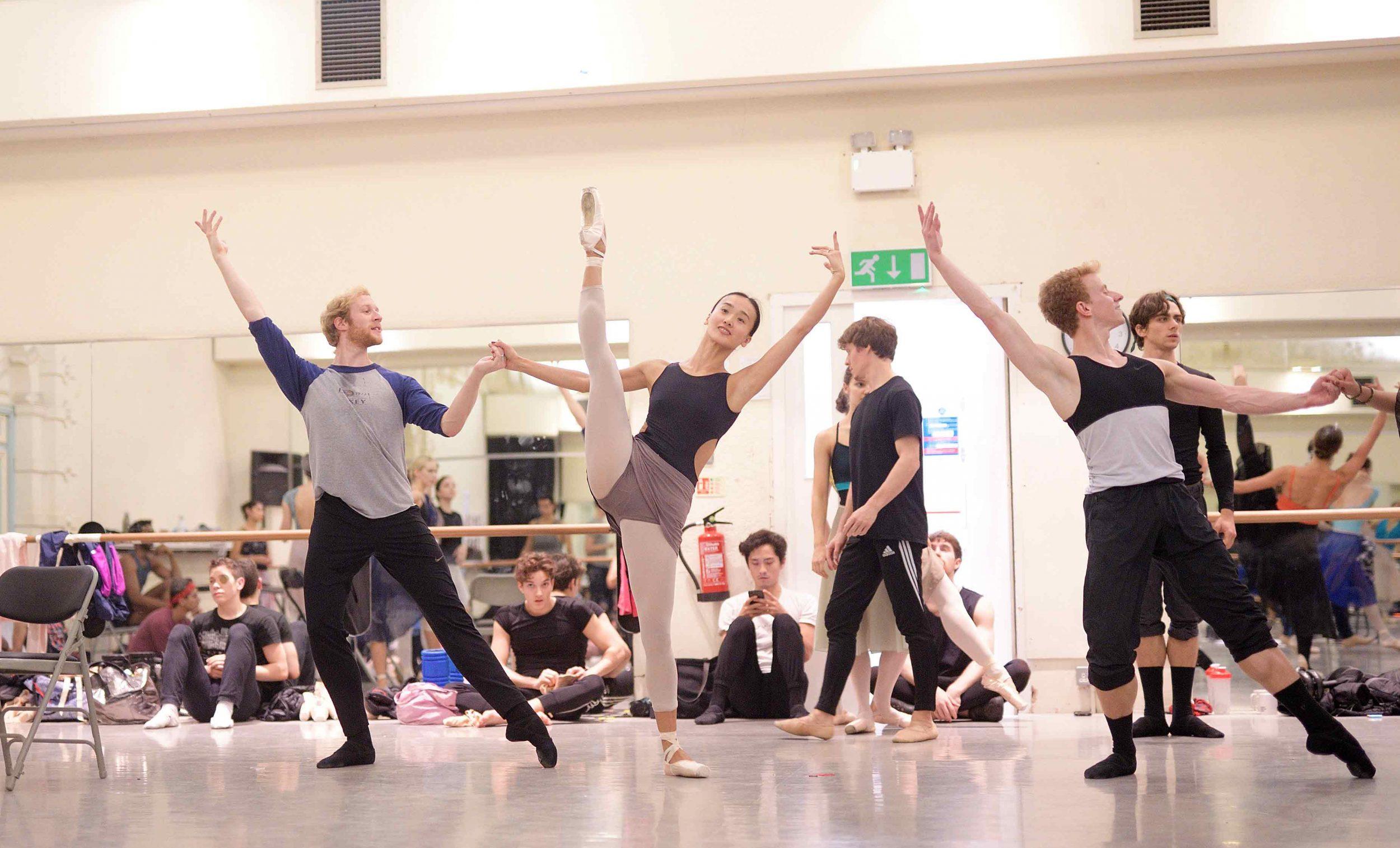 English-National-Ballet-in-rehearsals-for-Manon-(c)-Laurent-Liotardo_WEB