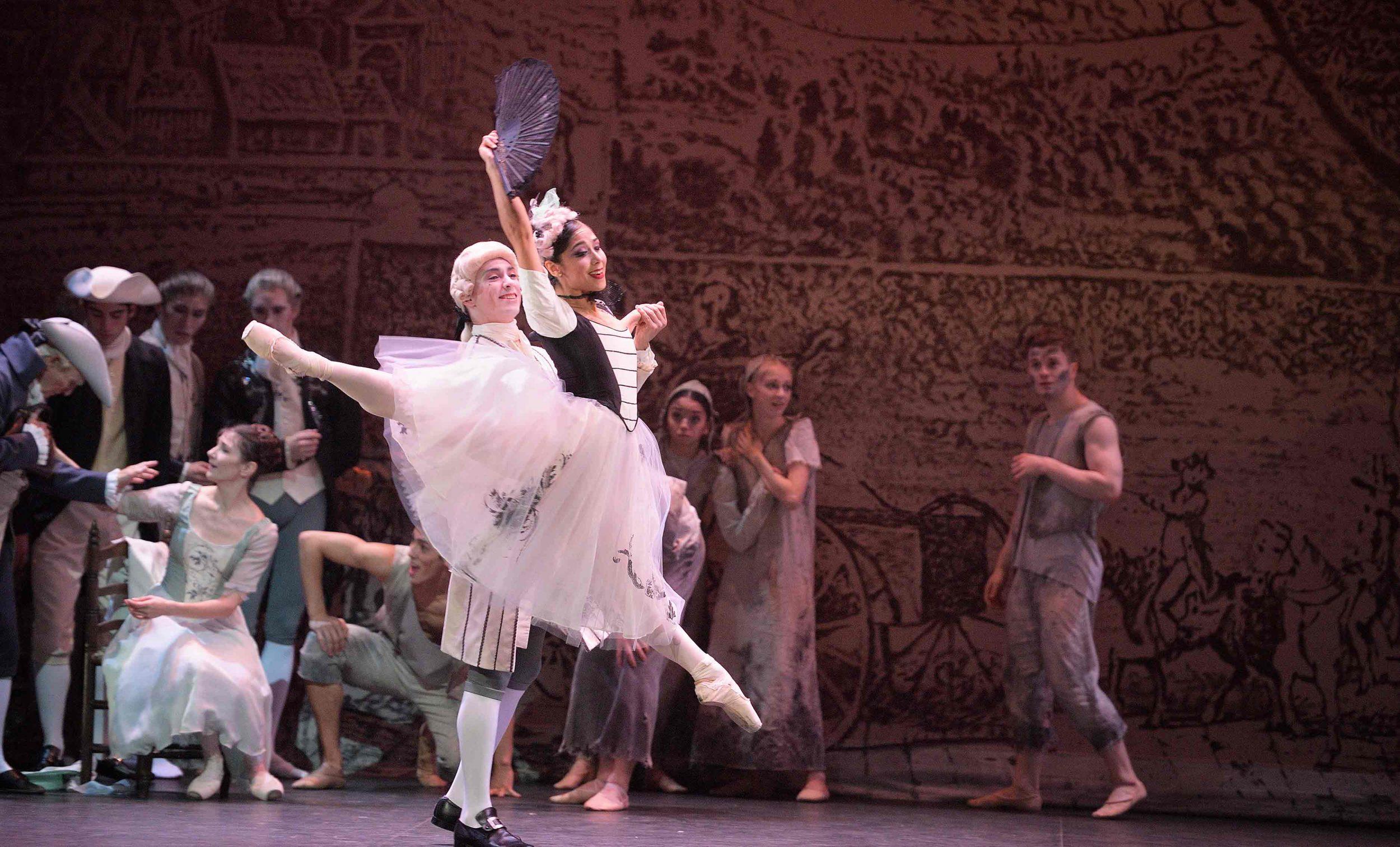 Daniel-Kraus-and-Crystal-Costa-in-Manon-(c)-Laurent-Liotardo_WEB