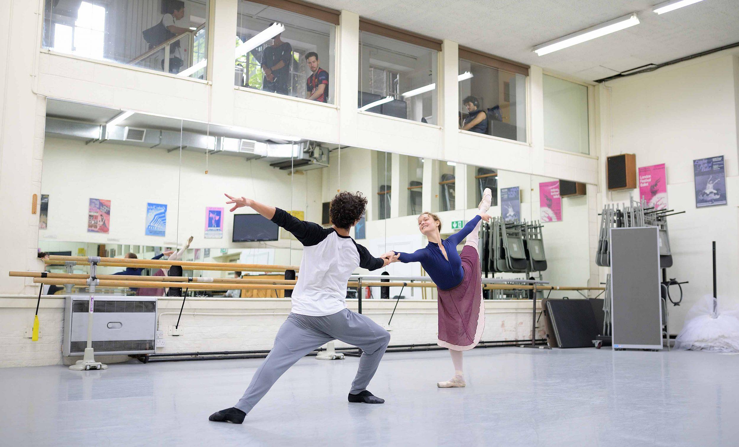 Isaac-Hernandez-and-Jurgita-Dronina-in-rehearsals-for-Manon-(c)-Laurent-Liotardo-(3)_WEB