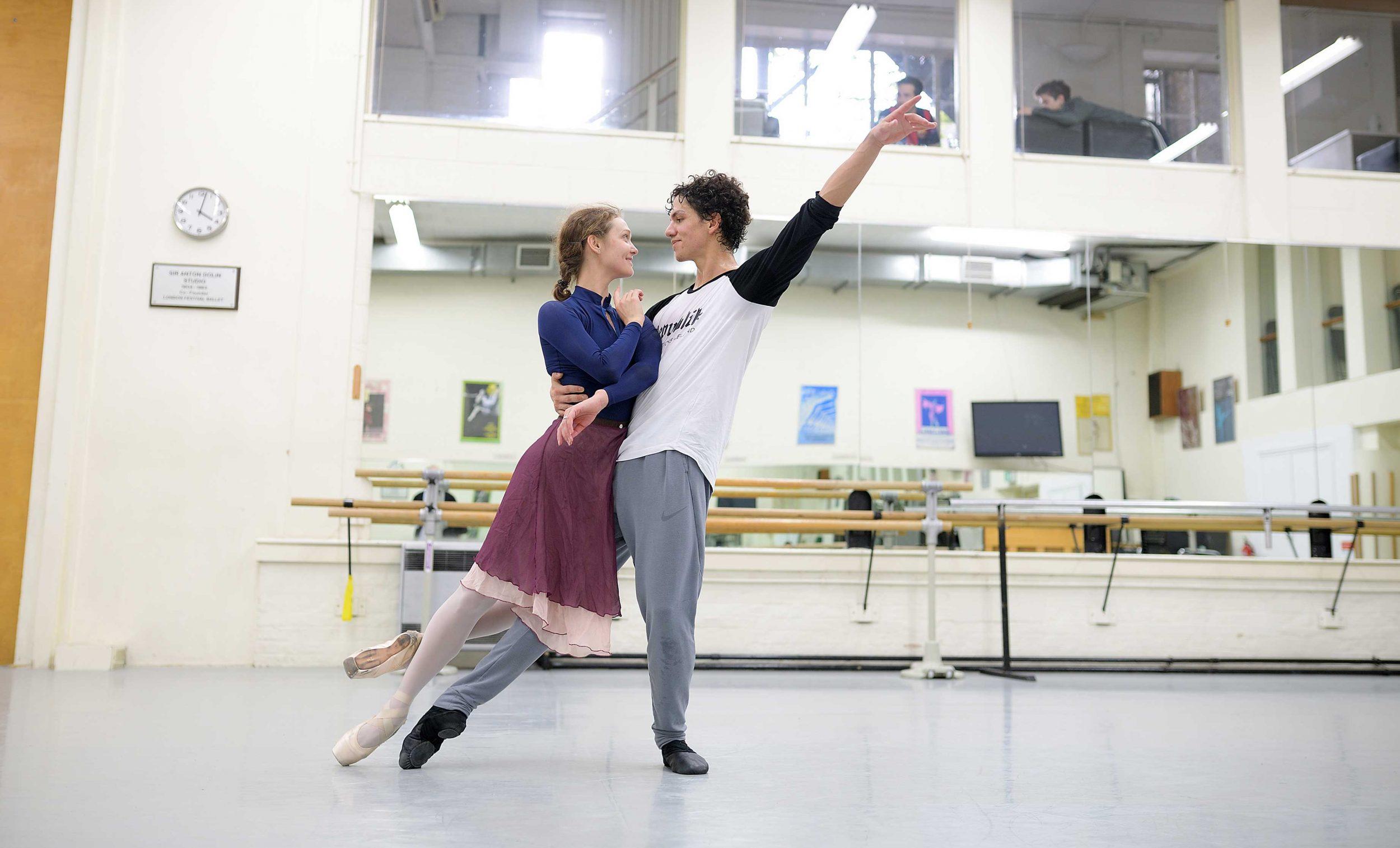 Manon: Rehearsals with Isaac Hernández and Jurgita Dronina | English National Ballet