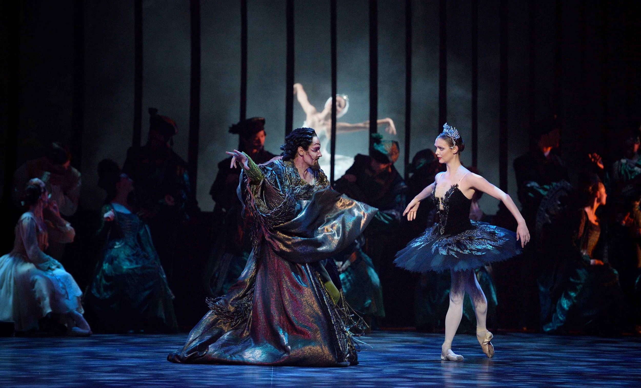 James-Streeter-and-Jurgita-Dronina-in-Swan-Lake-©-Laurent-Liotardo_WEB