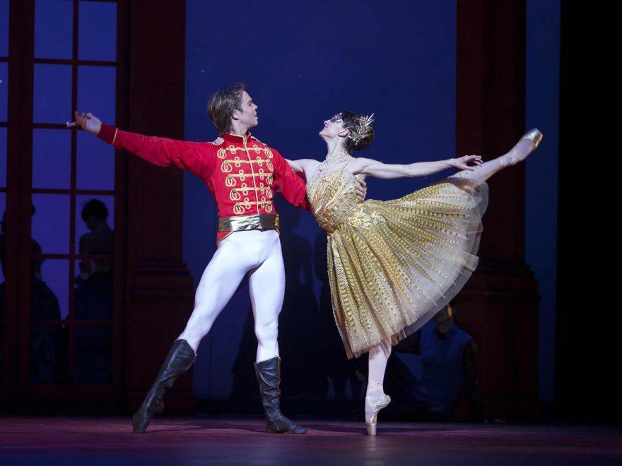 Dutch-National-Ballet-in-Cinderella---credit-Angela-Sterling_WEB