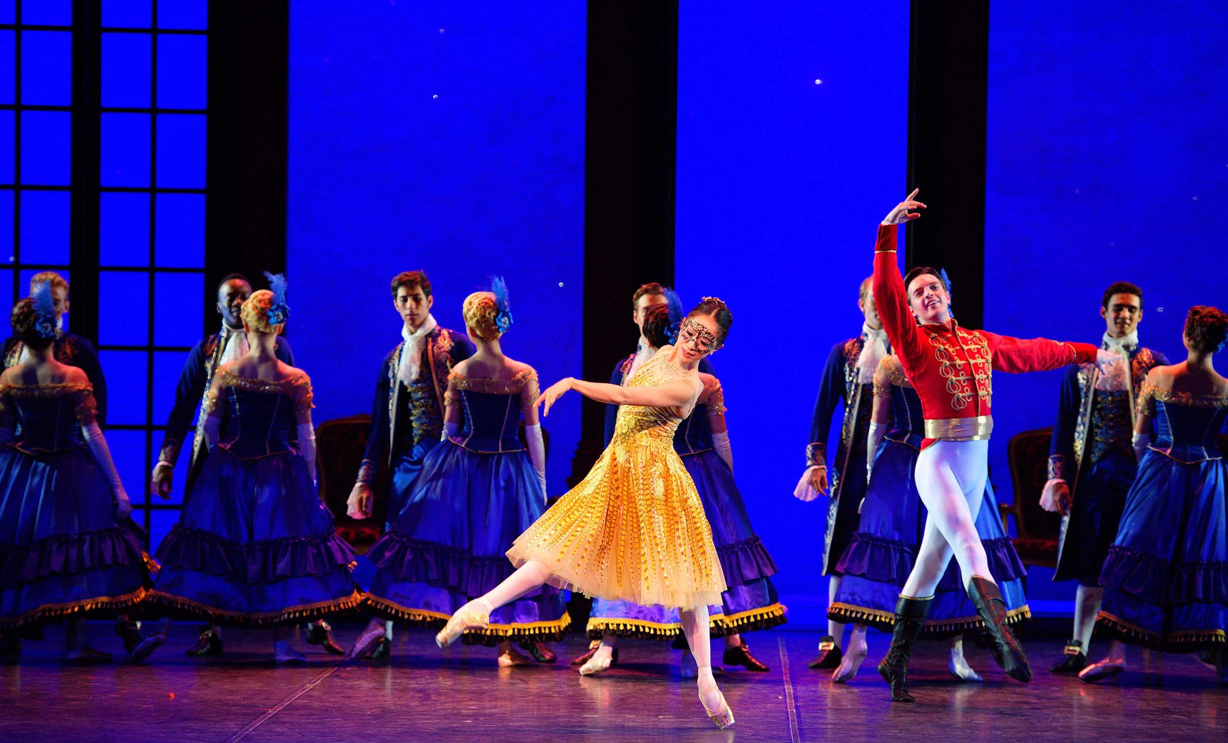 WEB-Erina-Takahashi-and-Joseph-Caley-in-English-National-Ballet's-Cinderella-(c)-Laurent-Liotardo-(4)
