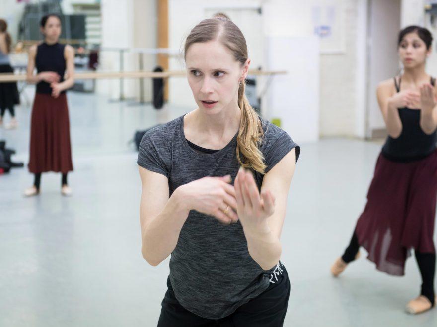 Stina Quagebeur creating her piece Nora © Ian Gavan