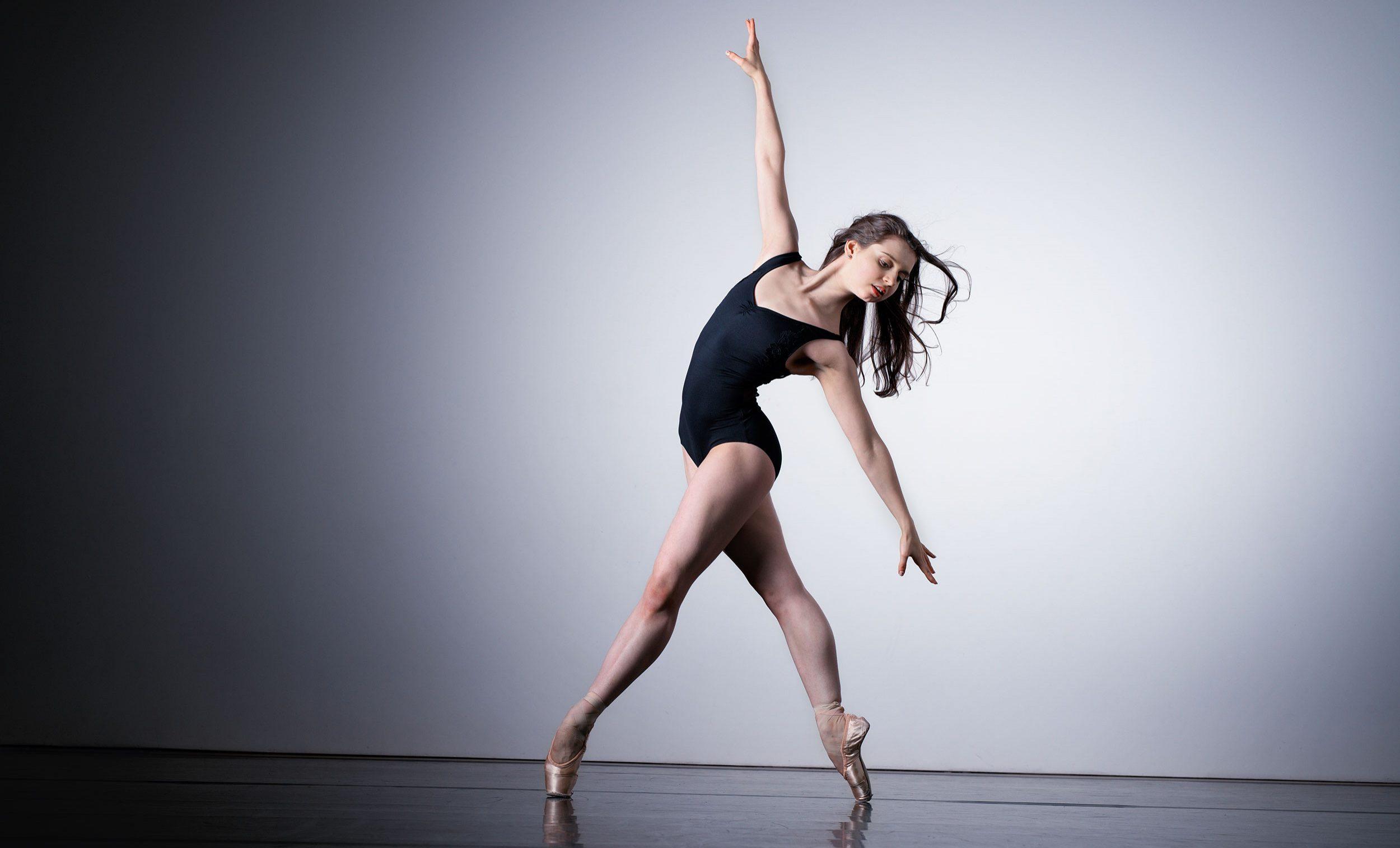 WEB-Julia-Conway-(c)-Laurent-Liotardo