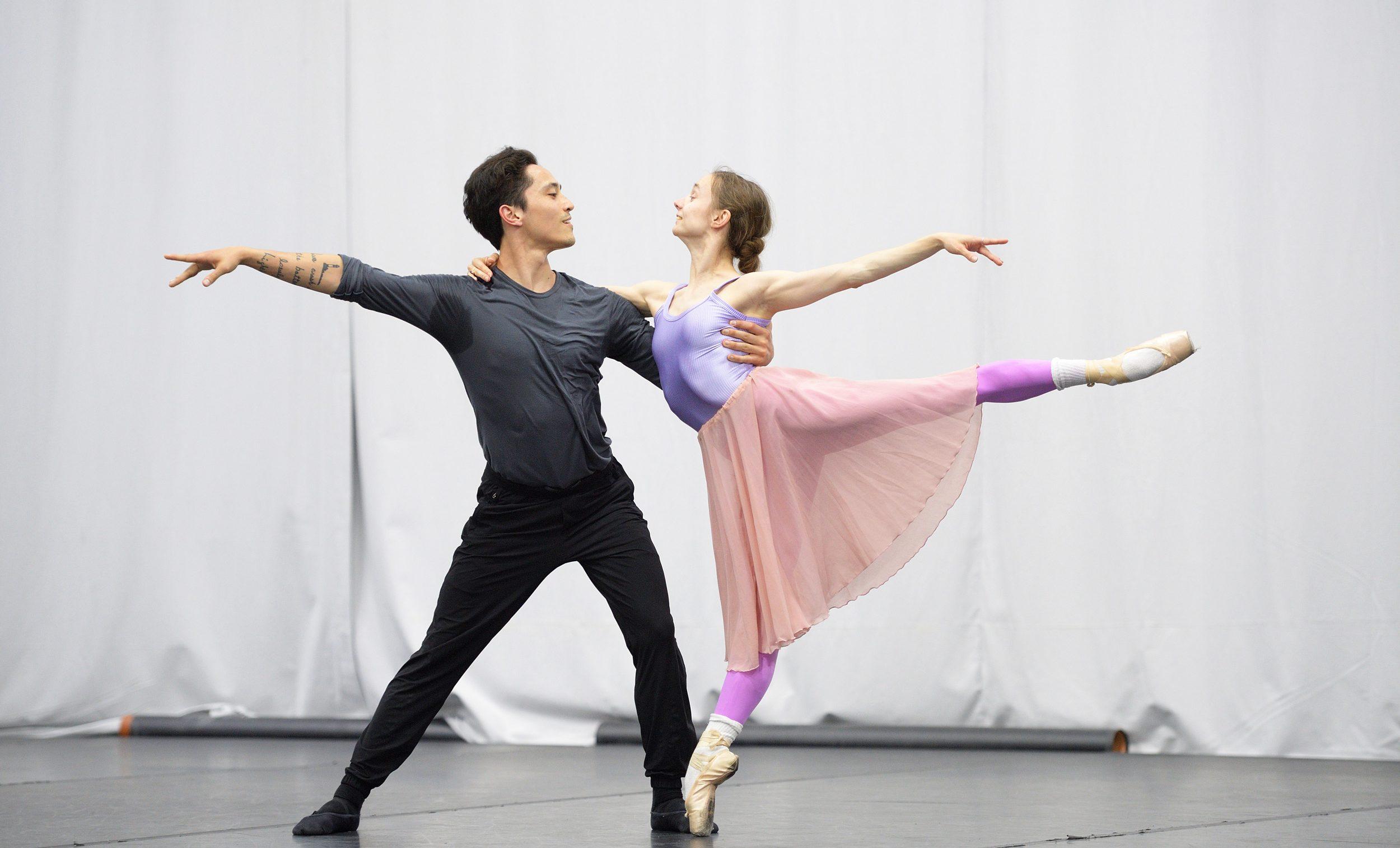 Maria Kochetkova and Jeffrey Cirio rehearsing Christopher Wheeldon's Cinderella  © Laurent Liotardo