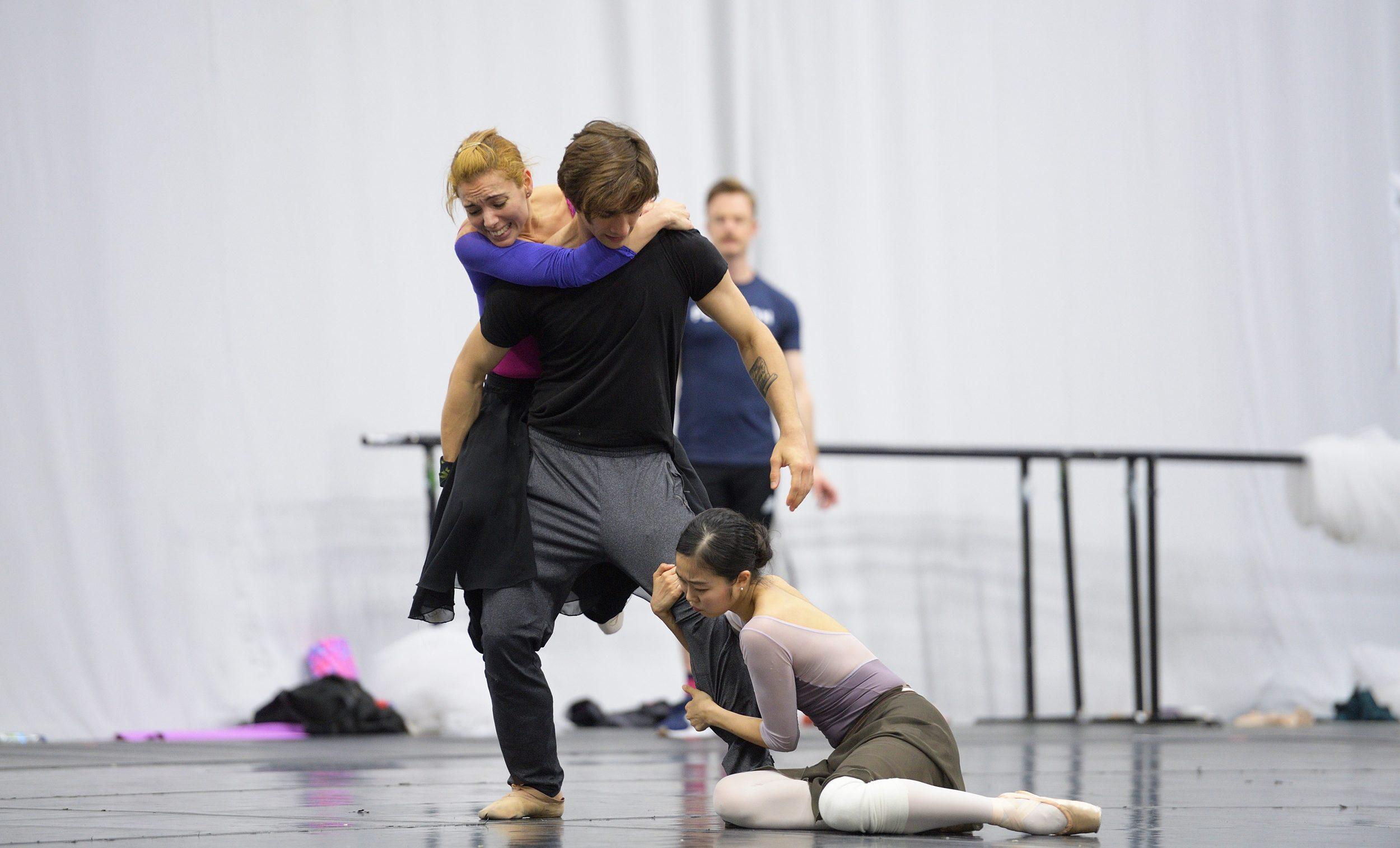 Fernanda Oliveira, Francesco Gabriele Frola, Shiori Kase rehearsing Christopher Wheeldon's Cinderella  © Laurent Liotardo