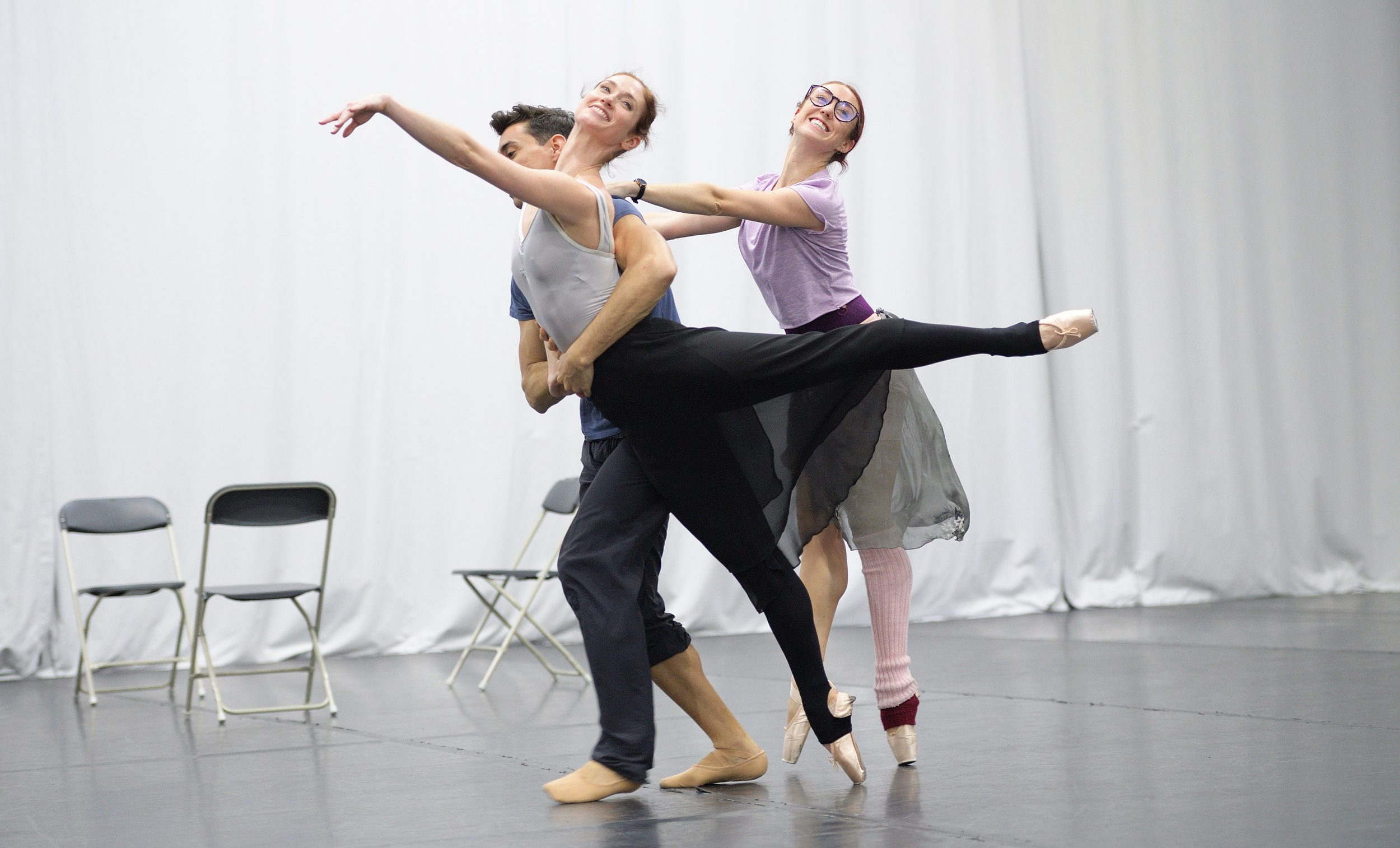 Alison McWhinney, Daniel Kraus, Anjuli Hudson rehearsing Christopher Wheeldon's Cinderella © Laurent Liotardo