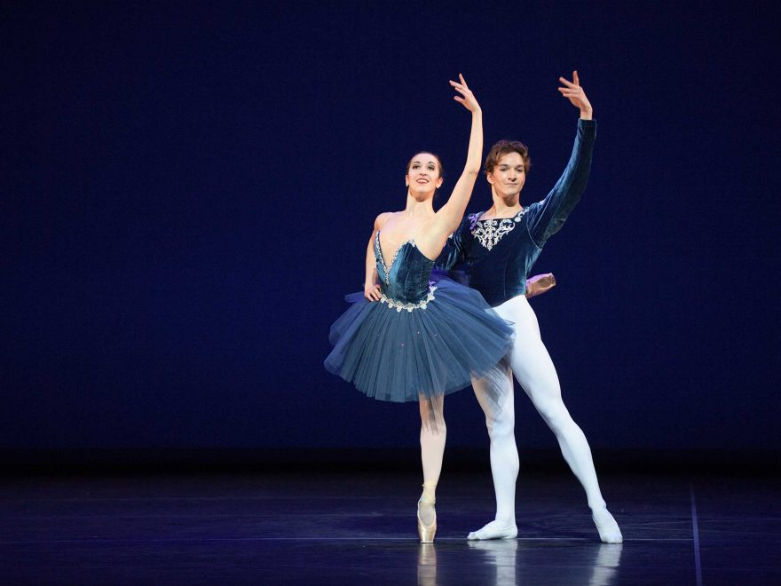 WEB-Alice-Bellini-and-Shale-Wagman-performing-Grand-Pas-Classique-(c)-Laurent-Liotardo-(2)