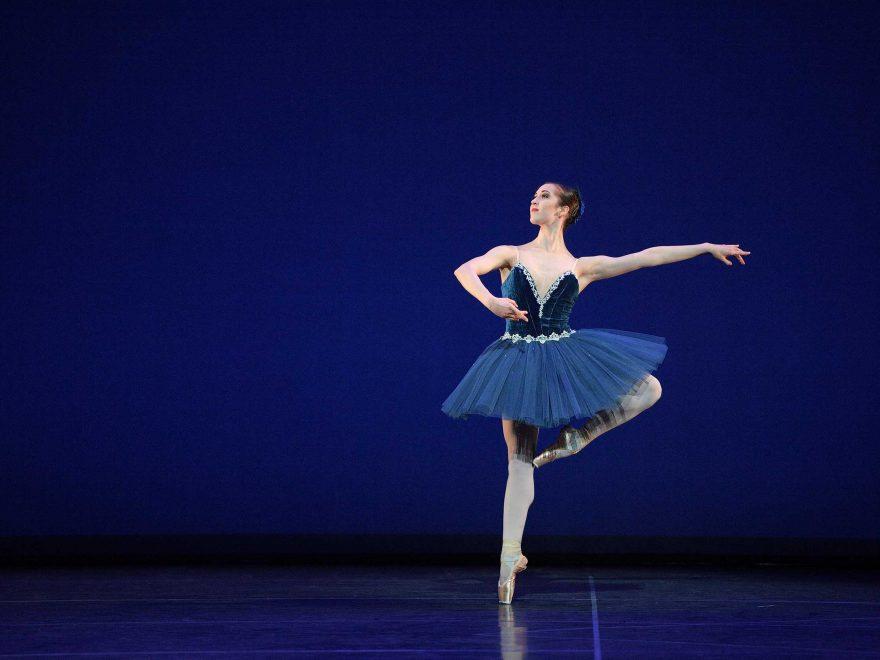 WEB-Alice-Bellini-performing-Grand-Pas-Classique-(c)-Laurent-Liotardo
