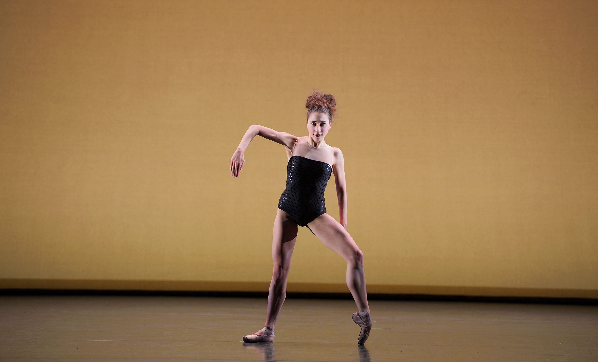 WEB-Emilia-Cadorin-performing-BAM!-(c)-Laurent-Liotardo