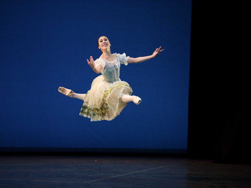 WEB-Emilia-Cadorin-performing-Coppélia-(c)-Laurent-Liotardo