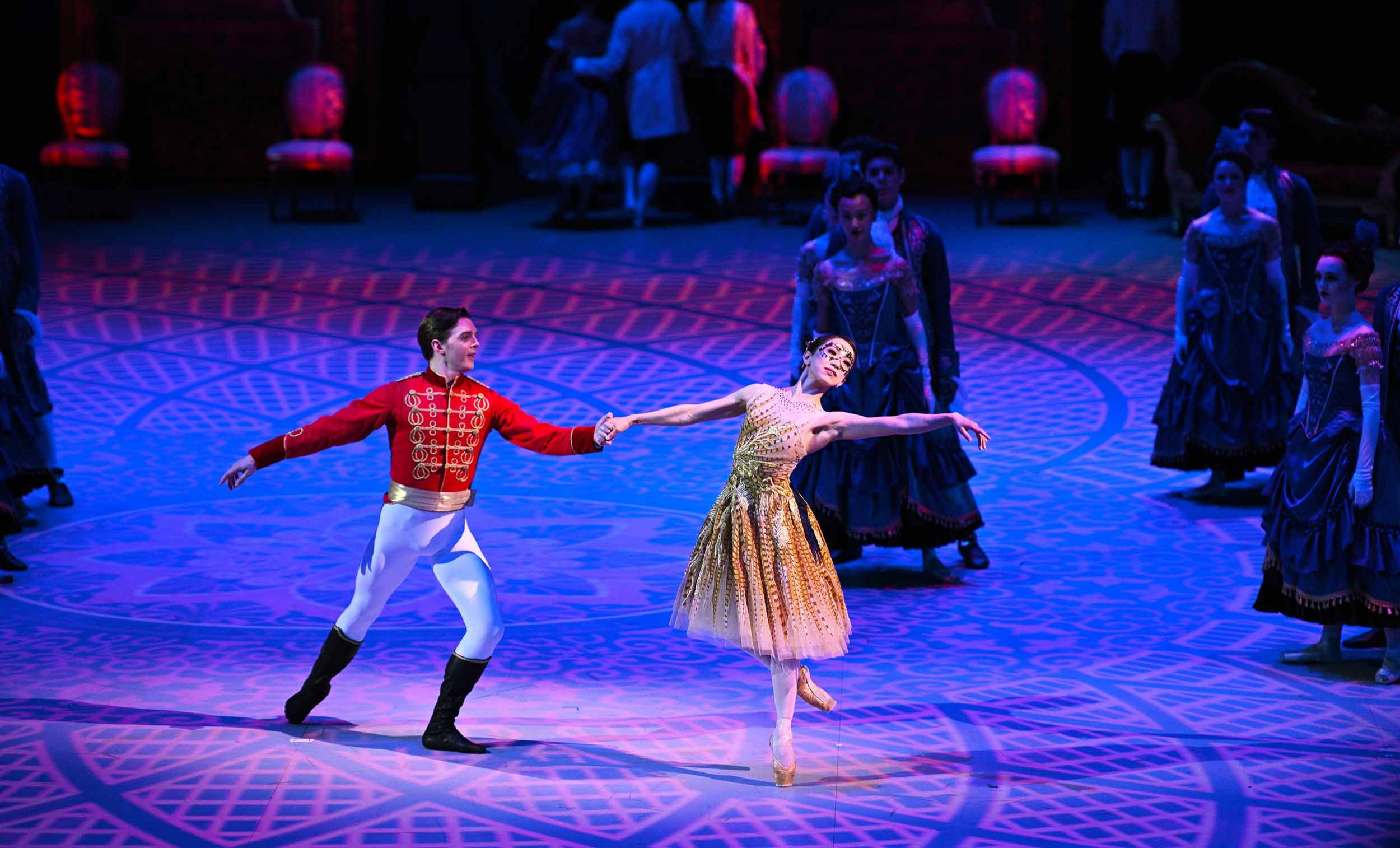 Joseph-Caley-and-Erina-Takahashi-in-Cinderella-in-the-round-(c)-Laurent-Liotardo
