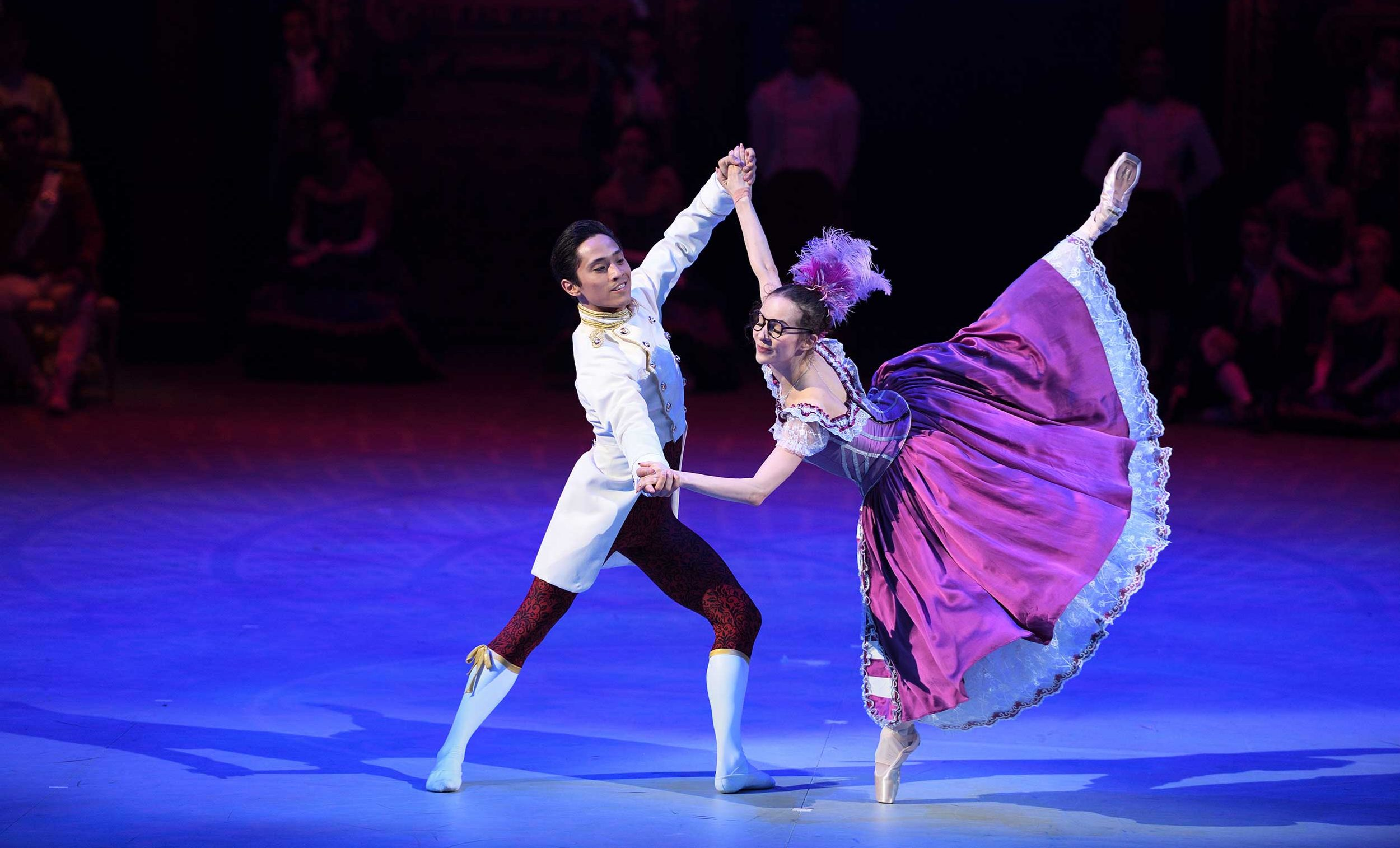 Katja Khaniukova and Jeffrey Cirio in Cinderella in-the-round (c) Laurent Liotardo -