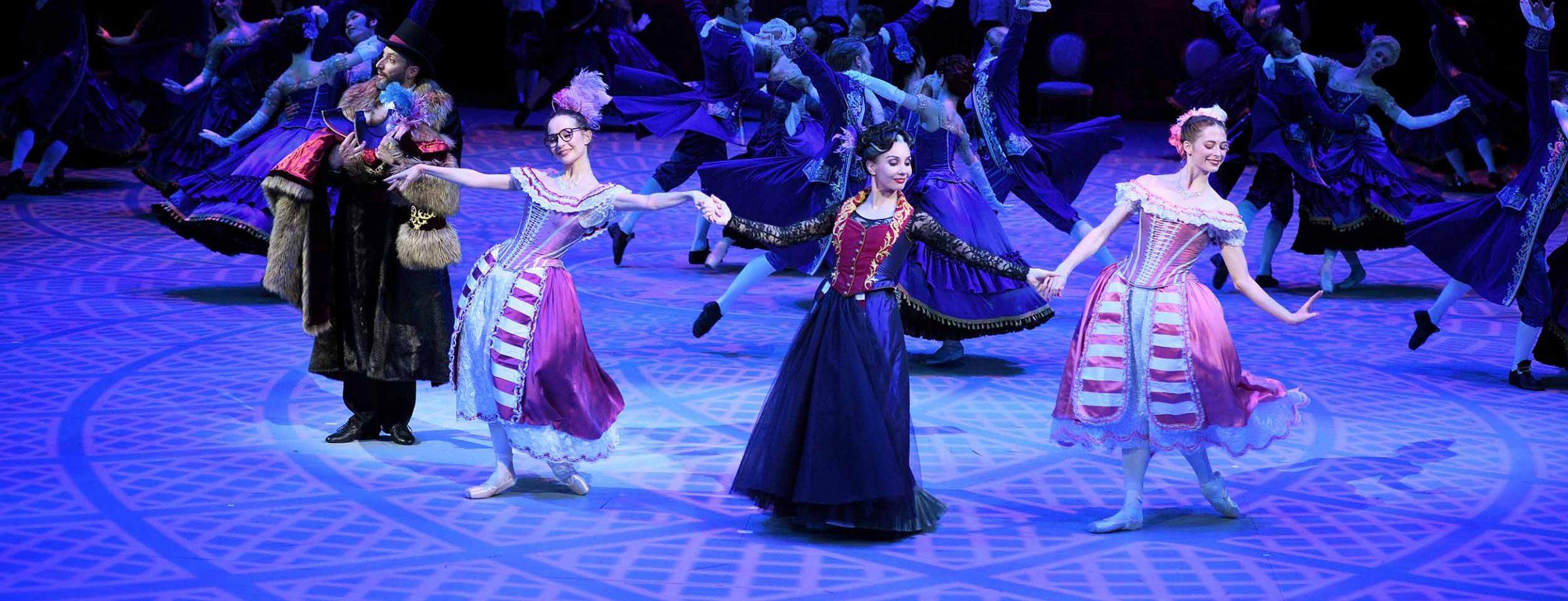 Katja Tamara and Emma in Cinderella in-the-round (c) Laurent Liotardo.