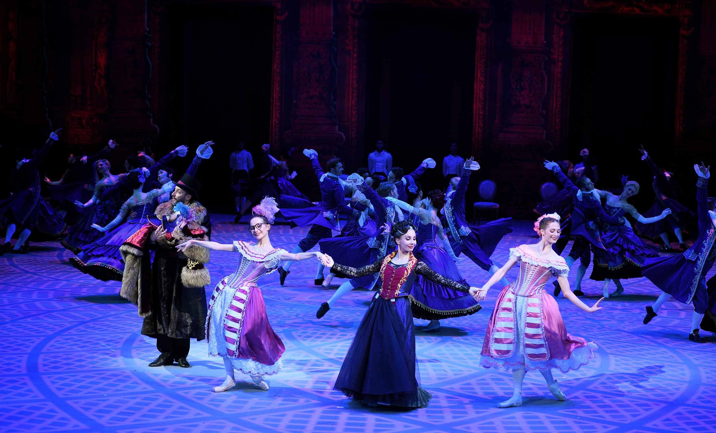 Katja Tamara and Emma in Cinderella in-the-round (c) Laurent Liotardo.