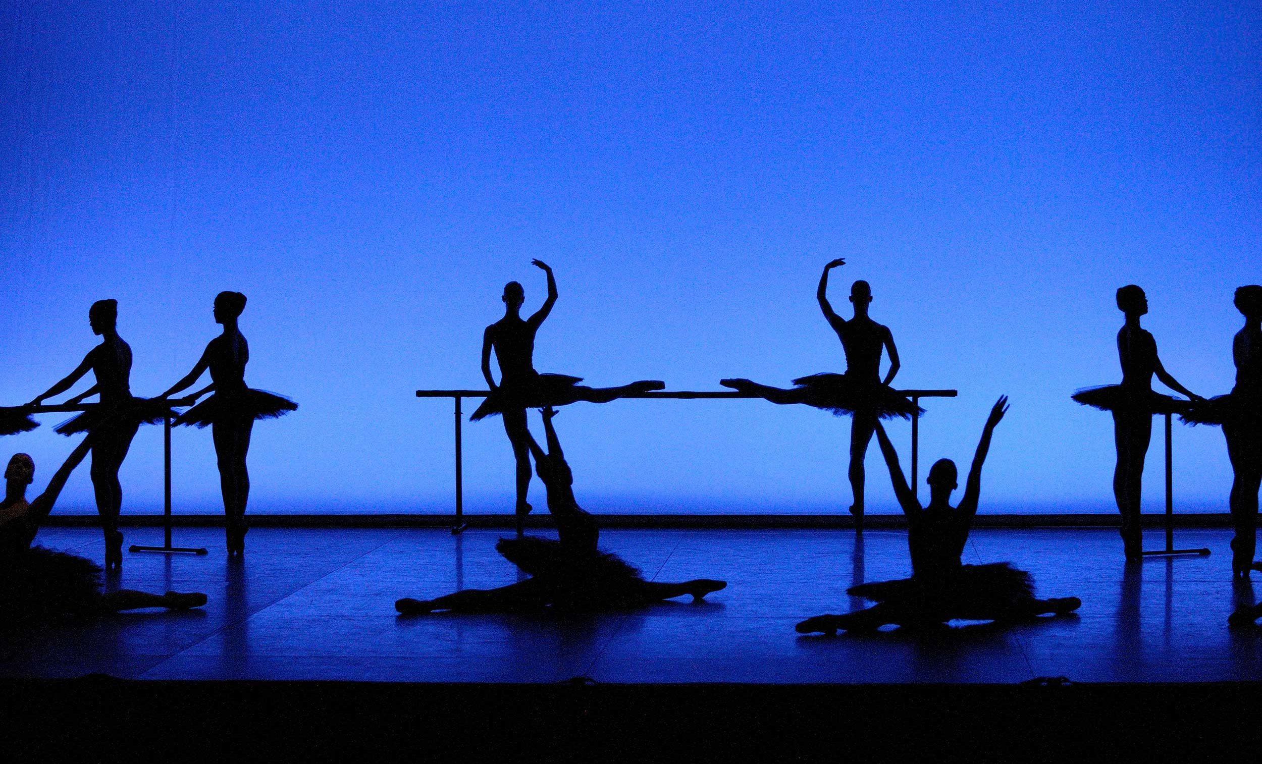 WEB-English-National-Ballet-in-Etudes---credit-Laurent-Liotardo