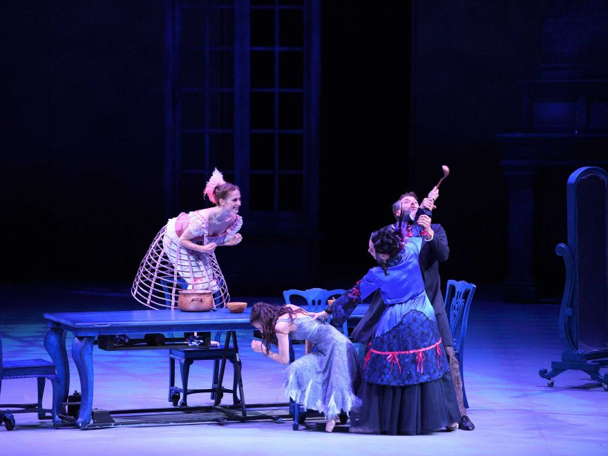 Emma,-Alina,-Tamara-and-Fabian-in-Cinderella-in-the-round-(c)-Laurent-Liotardo