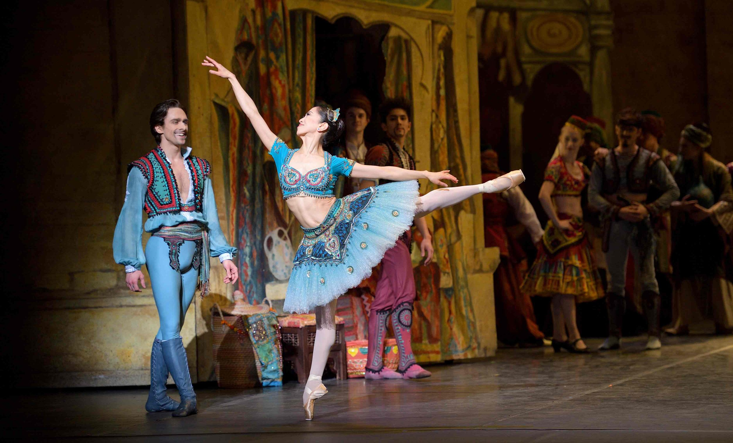 Erina Takahashi as Medora in Le Corsaire © Laurent Liotardo.