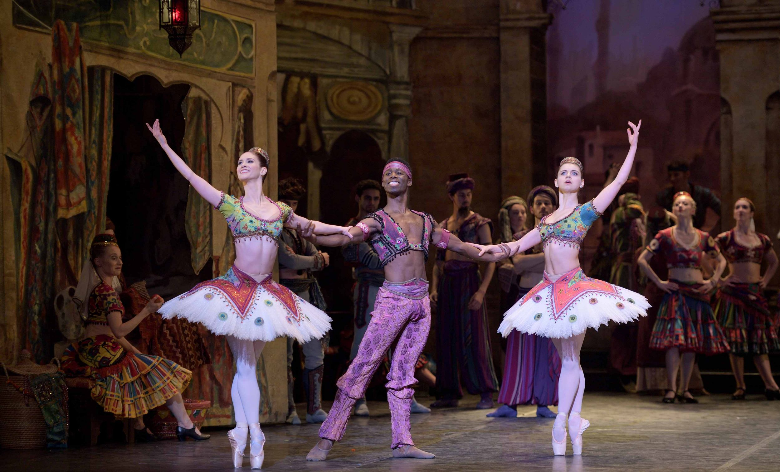 Alison McWhinney, Brooklyn Mack and Julia Conway in Le Corsaire © Laurent Liotardo.
