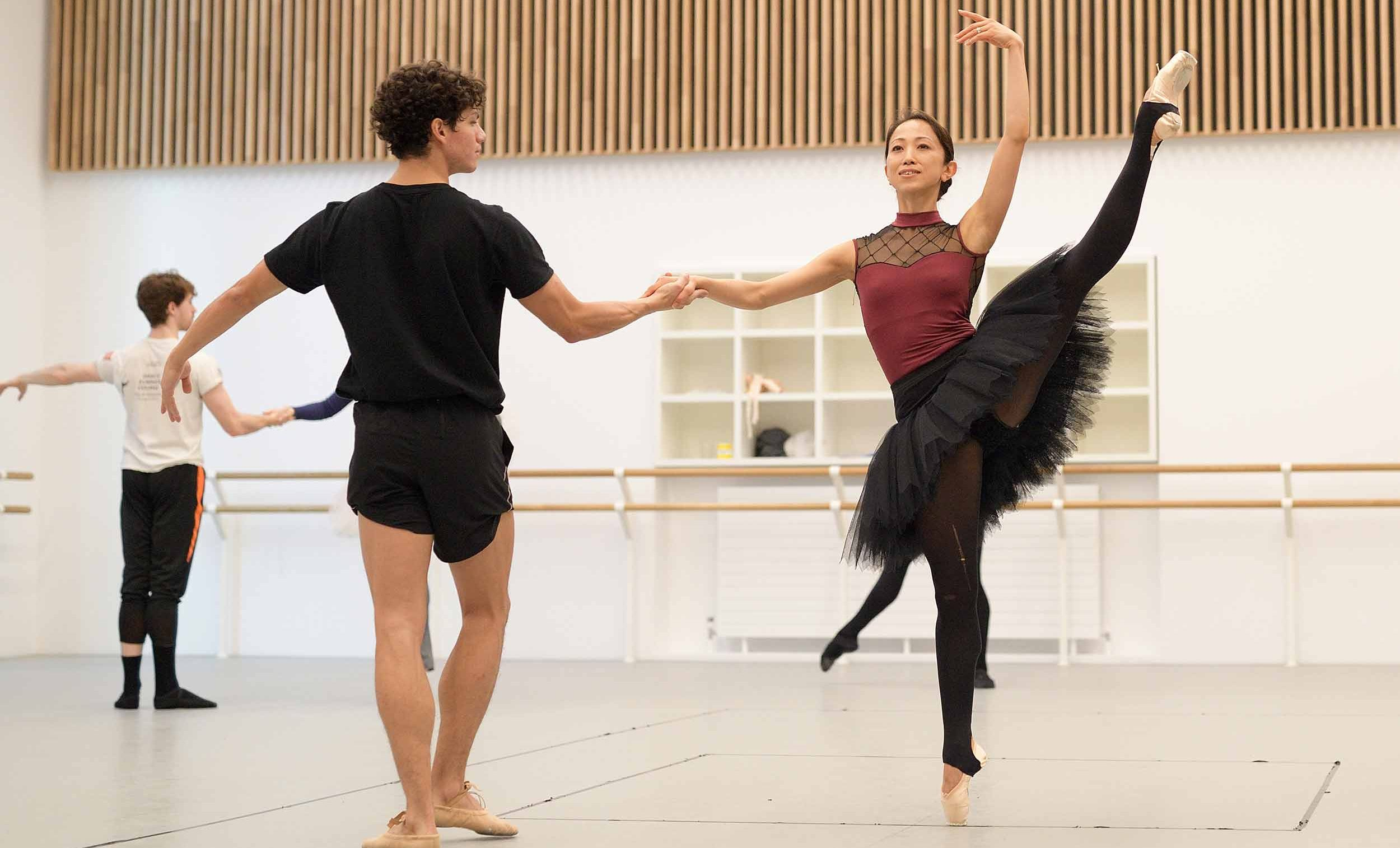 Erina-Takahshi-and-Isaac-Hernandez-rehearse-Etudes-English-National-Ballet's-70th-Anniversary-Gala-(c)-Laurent-Liotardo