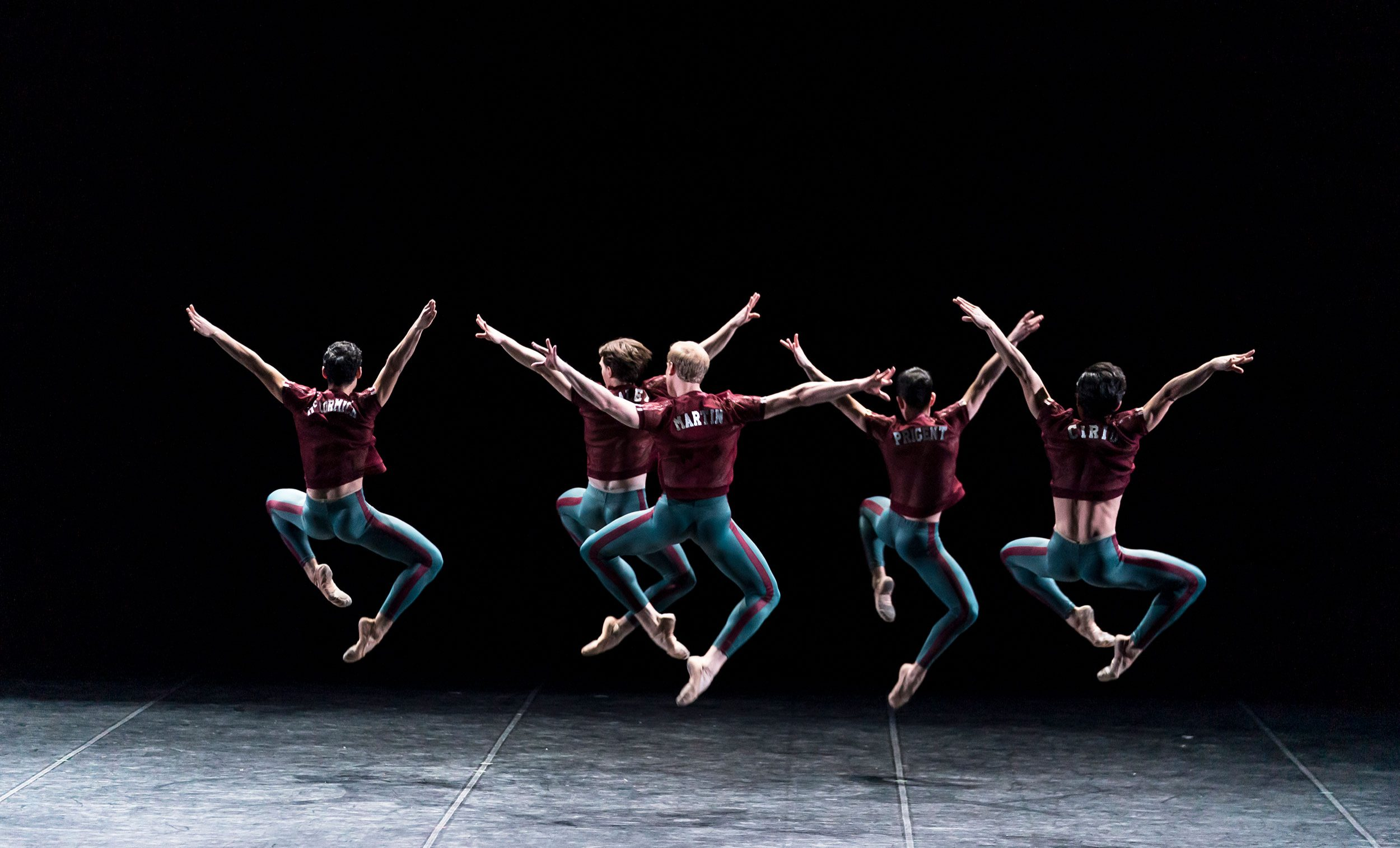 English National Ballet in William Forsythe's Playlist (Track 2) during the 70th Anniversary Gala © Bill Cooper.
