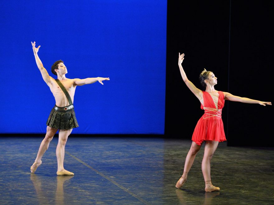 Miguel Angel Maidana and Carolyne Galvao performing Diana and Acteon © Laurent Liotardo