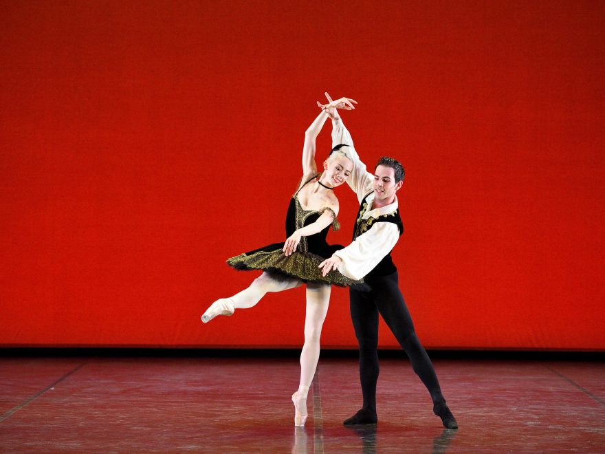 Emily Suzuki and Victor Prigent performing the Satanella pas de deux © Laurent Liotardo