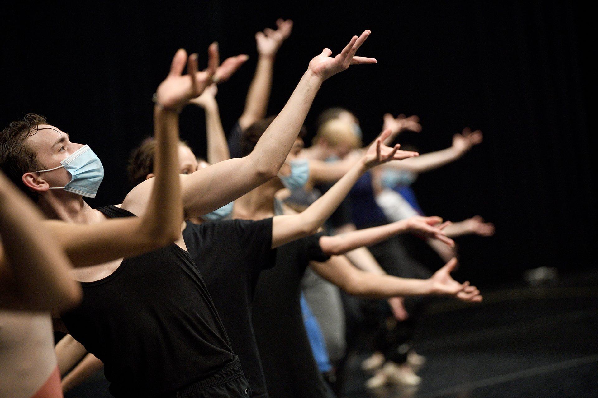 English-National-Ballet-dancers-in-rehearsal-for-Creature-by-Akram-Khan-©-Laurent-Liotardo-2000x1333
